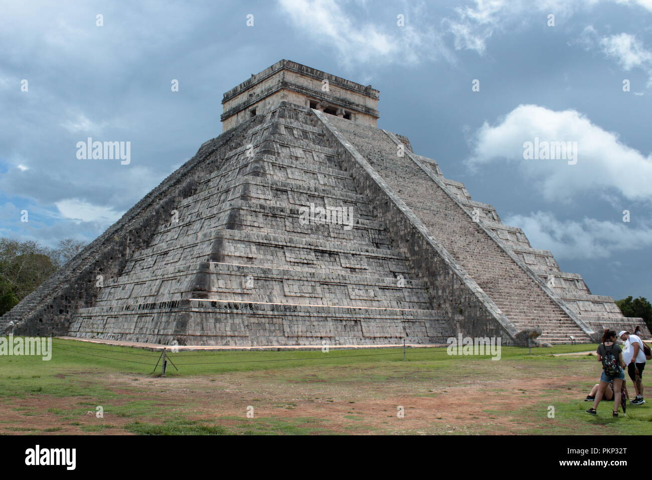 Chichén Itzá archaeological site with its splendid structures - Stock Image