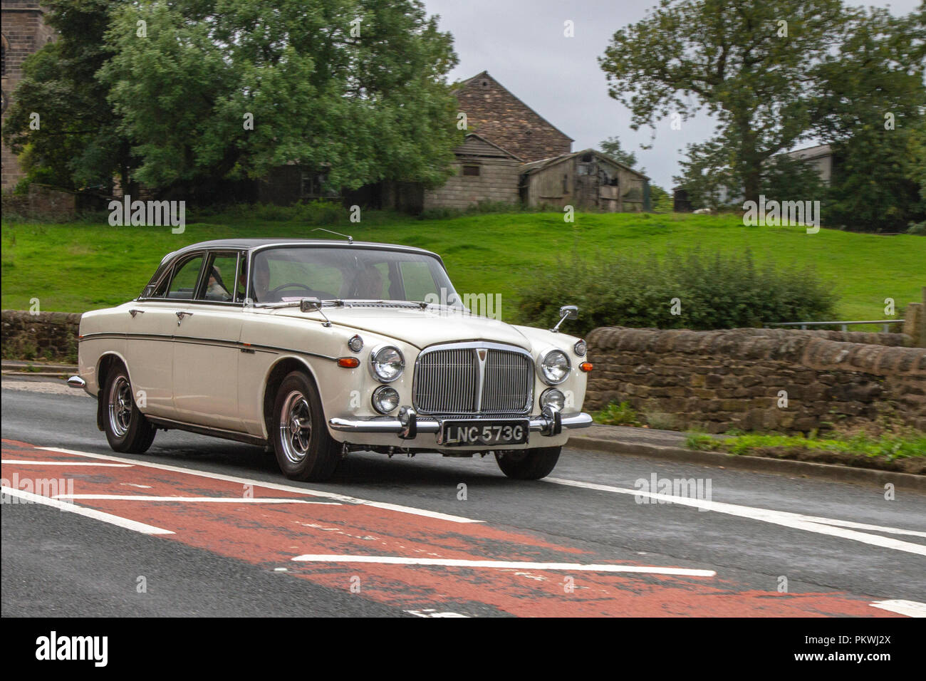 White Rover 3.5 Litre Classic, vintage, veteran, cars of yesteryear, restored collectibles at Hoghton Tower Class Cars Rally, UK - Stock Image