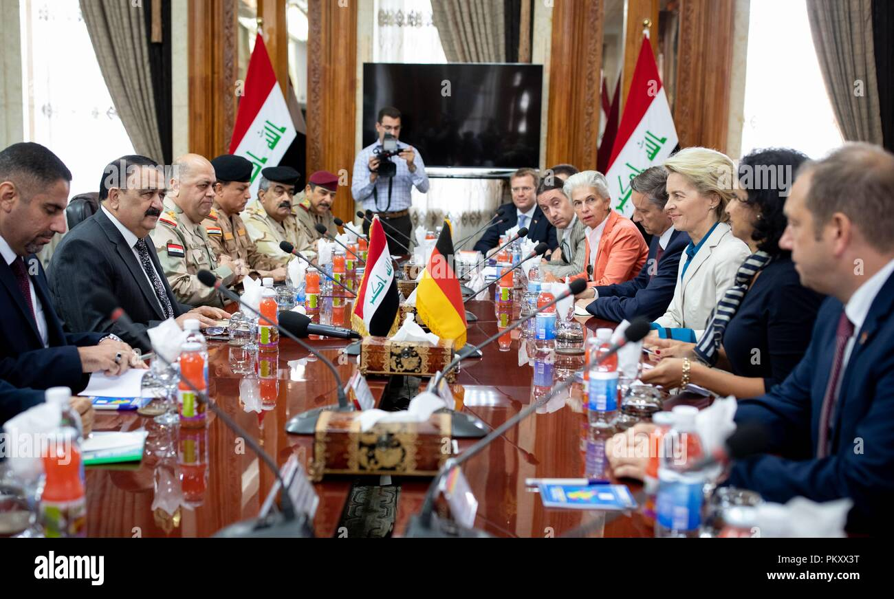 Bagdad, Iraq. 16th Sep, 2018. Ursula von der Leyen (CDU), Federal Minister of Defence, and the German delegation will be received by Al Hayali (2nd from left), Iraqi Defence Minister. The minister is in Baghdad for political talks. Credit: Kay Nietfeld/dpa/Alamy Live News Stock Photo