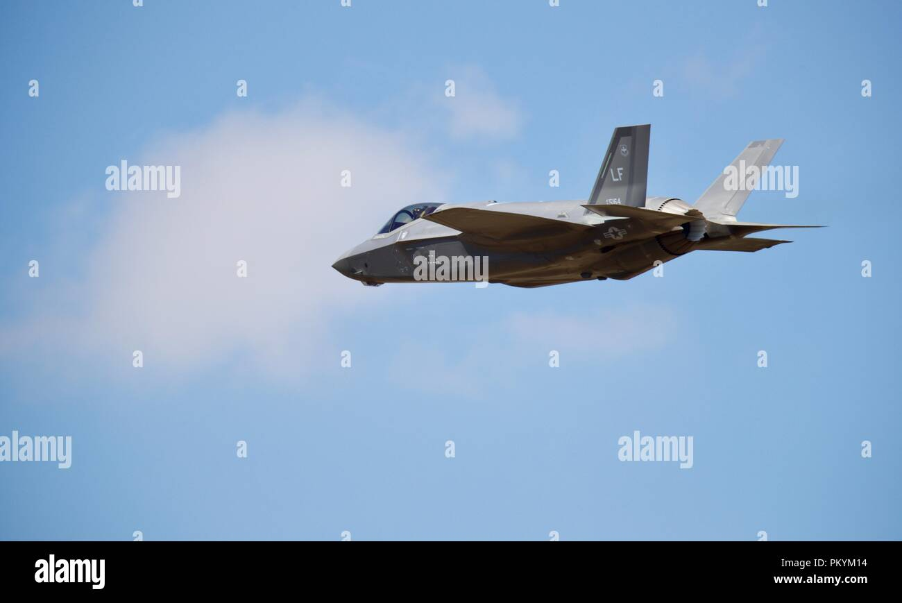 cart  US Air Force F-35B Joint Strike Fighter at the 2018 Royal International Air Tattoo - Stock Image