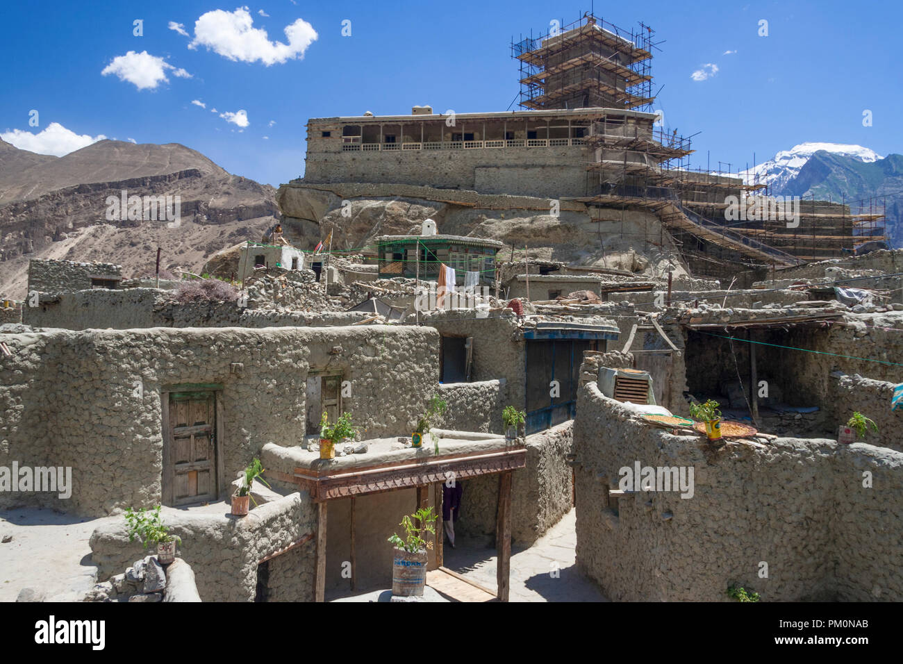 Altit, Hunza Valley, Gilgit-Baltistan, Pakistan : The Altit Fort and village, founded on 11th century on a rock overlooking the Hunza river, was home  - Stock Image