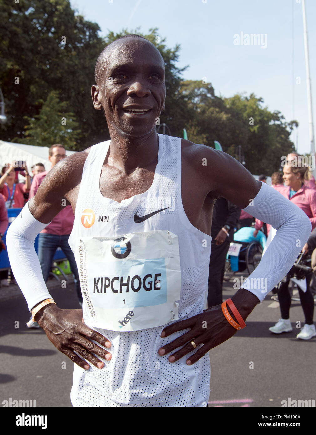 Berlin, Germany. 16 September 2018, Berlin: Kenyan Eliud Kipchoge wins the 45th BMW Berlin Marathon in 2:01:39. Photo: Soeren Stache/dpa Credit: dpa picture alliance/Alamy Live News - Stock Image