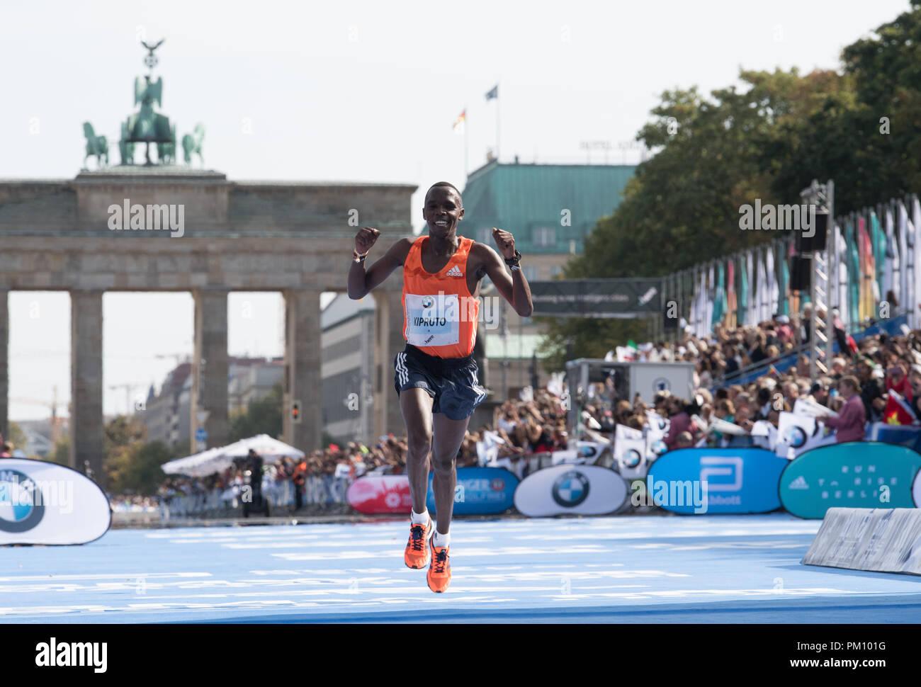 Berlin, Germany. 16 September 2018, Berlin: Amos Kipruto finishing second the 45th BMW Berlin Marathon. Photo: Soeren Stache/dpa Credit: dpa picture alliance/Alamy Live News - Stock Image