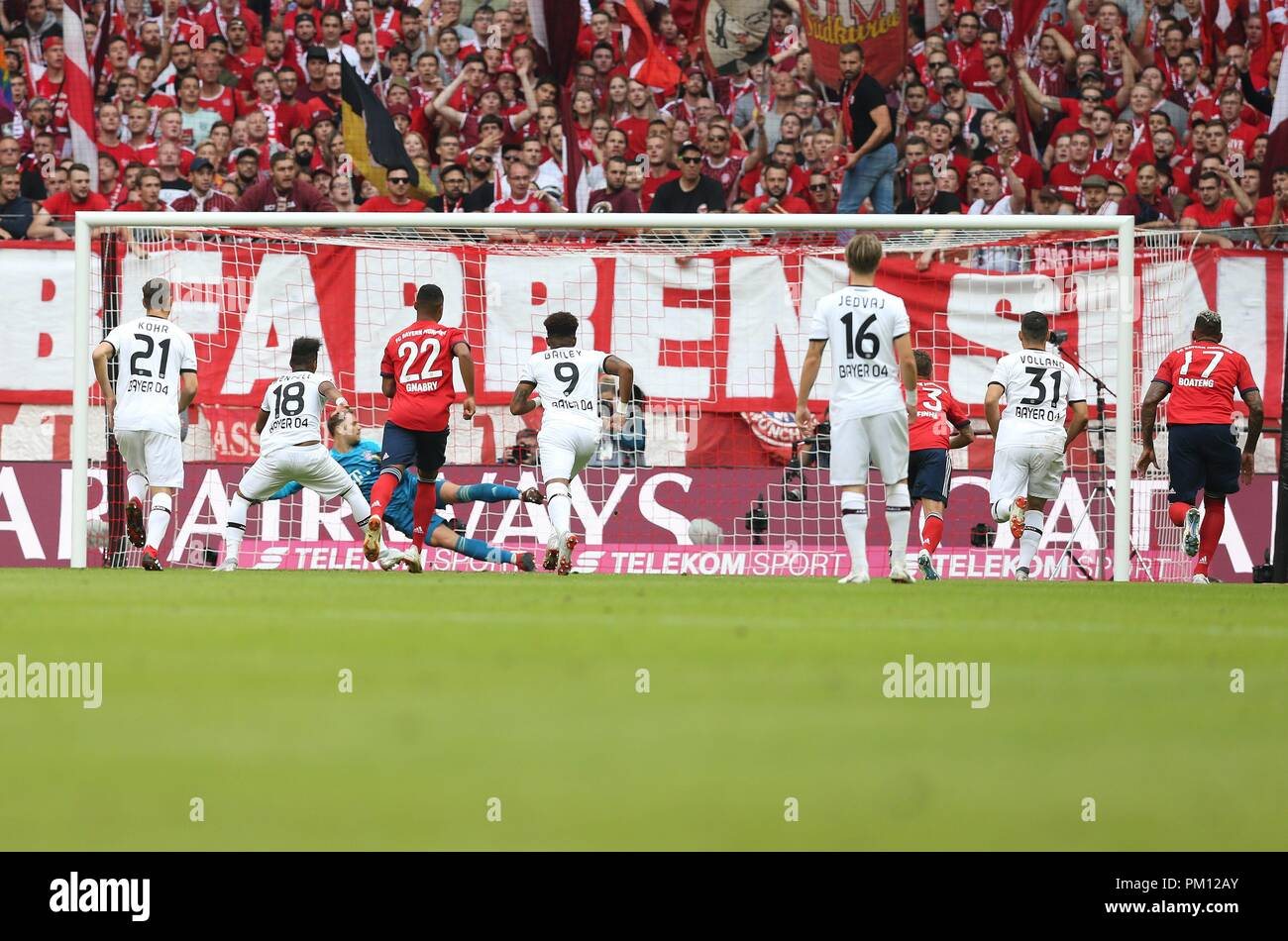 firo: 15.09.2018 Fuvuball, Football: 1.Bundesliga FC Bayern Munich - Bayer 04 Leverkusen, Wendell, Bayer, Leverkusen, Penalty | usage worldwide Stock Photo