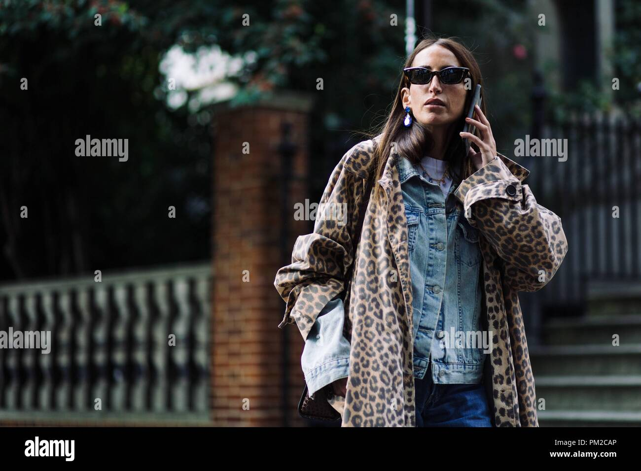 Loulou De Saison posing outside the Preen by Thornton Bregazzi runway show during London Fashion Week - Sept 16, 2018 - Photo: Runway Manhattan ***For Editorial Use Only*** | usage worldwide - Stock Image