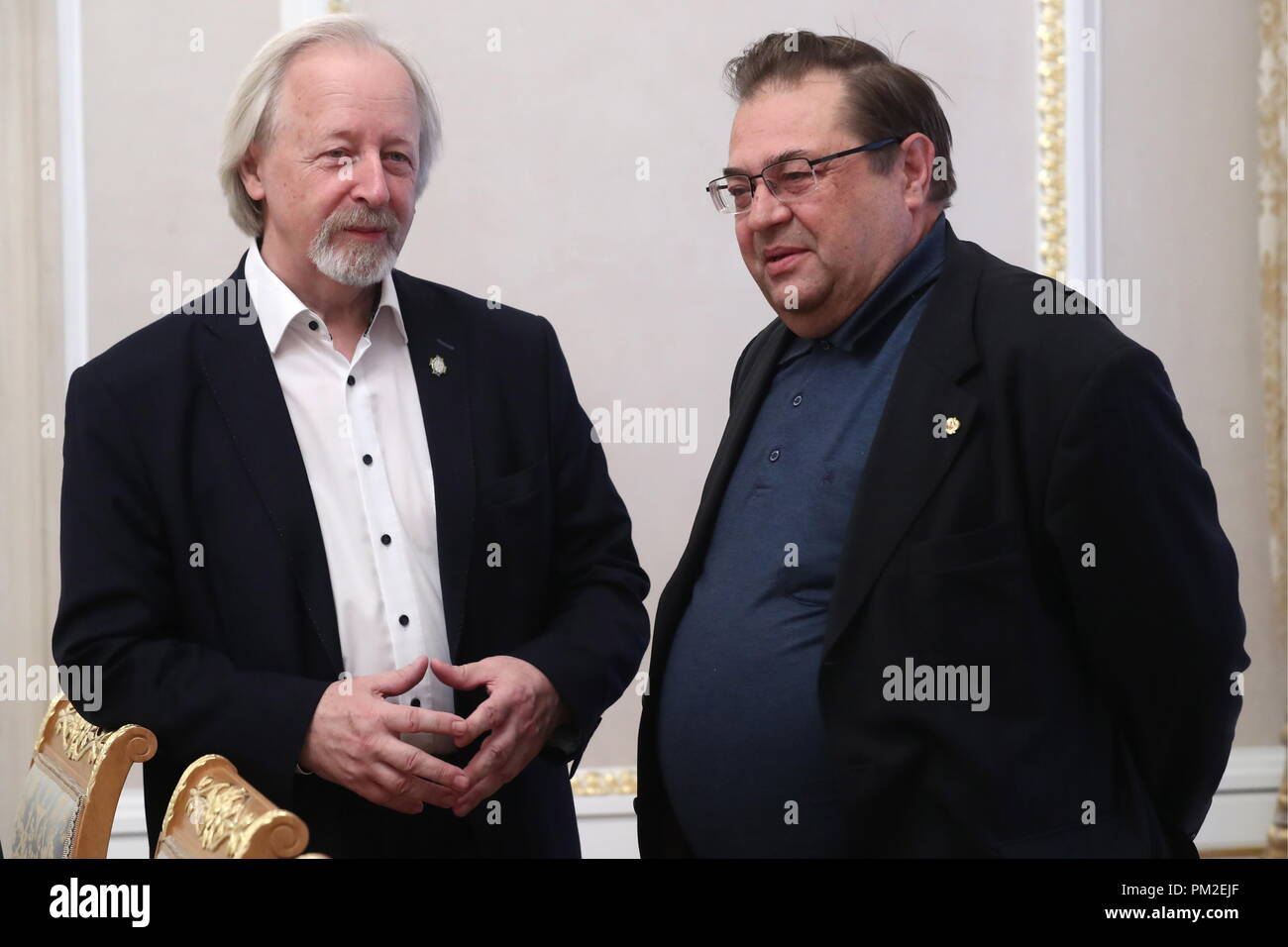Moscow, Russia. 17th Sep, 2018. MOSCOW, RUSSIA - SEPTEMBER 17, 2018: Mikhail Afanasyev (L), director of the Russian State Historic Public Library, and Yuri Petrov, a member of the Presidium of the Russian Historical Society, director of the Russian History Institute at the Russian Academy of Sciences (RAS), during a meeting of the Editorial Board of the Presidential Historical Library project at the offices of the Russian Historical Society. Stanislav Krasilnikov/TASS Credit: ITAR-TASS News Agency/Alamy Live News - Stock Image