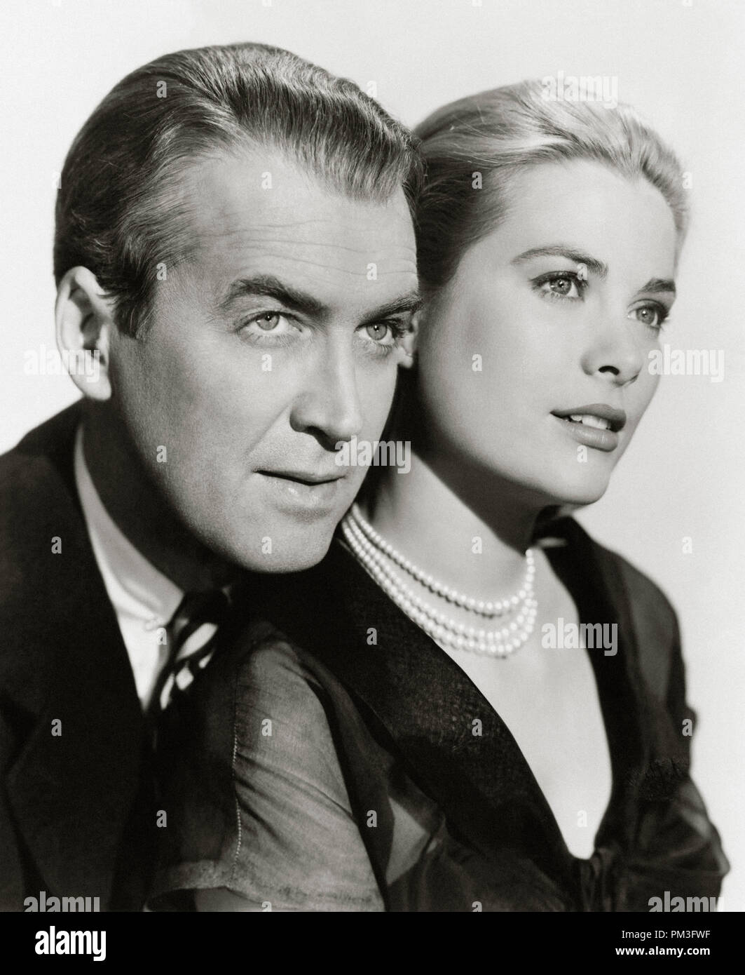 "James Stewart, Grace Kelly, ""Rear Window"" 1954. Paramount   File Reference # 30732 219THA Stock Photo"