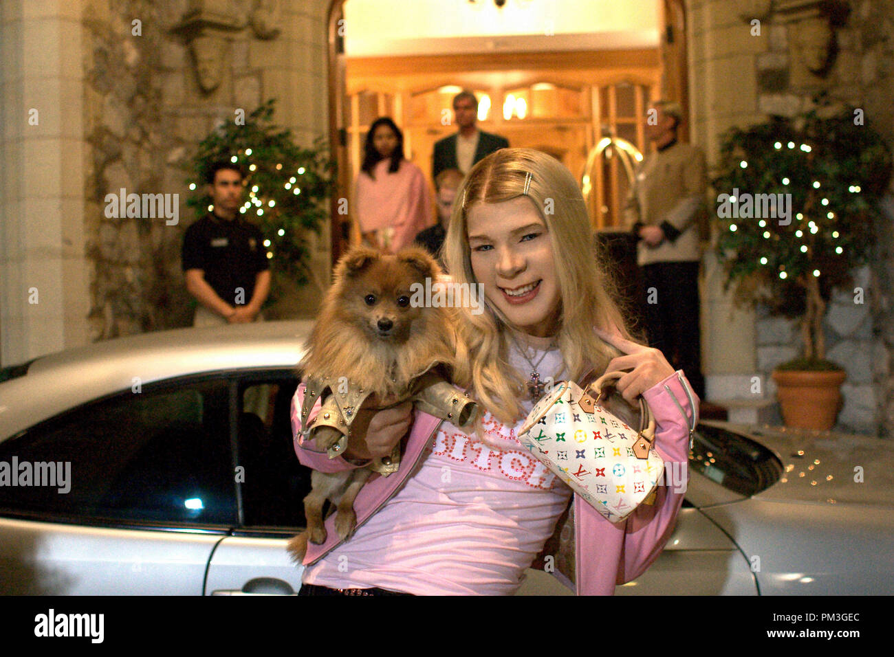 Film Still from 'White Chicks' Marlon Wayans © 2004 Revolutions Studios Photo Credit: Joe Lederer  File Reference # 30735107THA  For Editorial Use Only -  All Rights Reserved - Stock Image