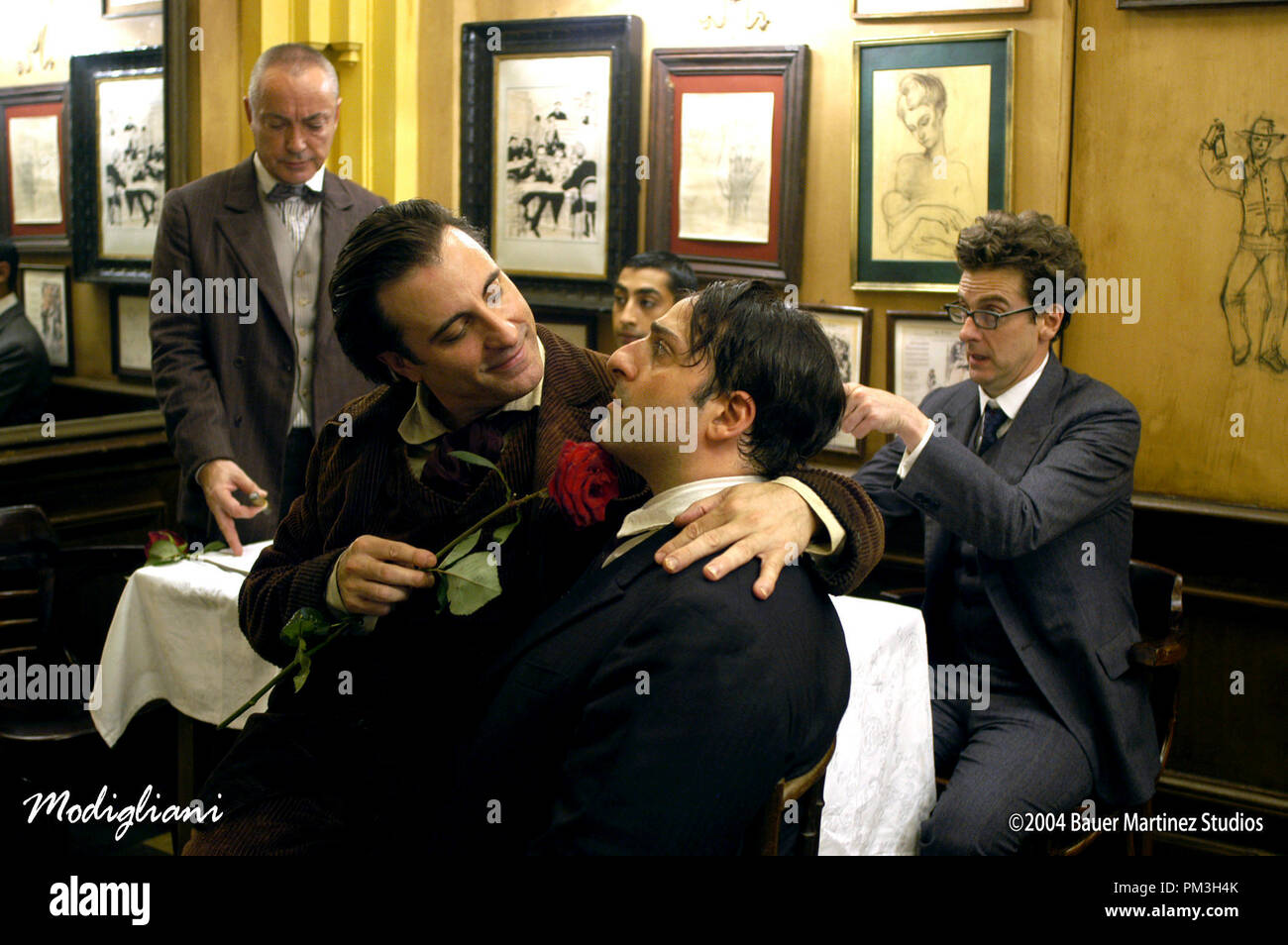Film Still from 'Modigliani'  Andy Garcia, Omid Djalili Photo Credit: Cos Aelenei © 2004 Bauer Martinez Studios  File Reference # 30735851THA  For Editorial Use Only -  All Rights Reserved - Stock Image