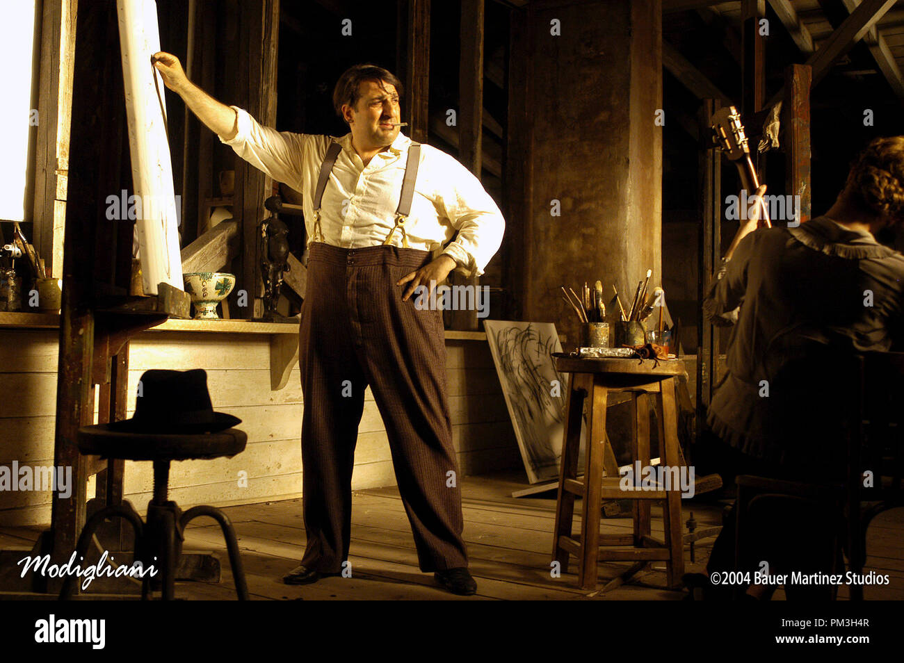 Film Still from 'Modigliani'  Omid Djalili Photo Credit: Cos Aelenei © 2004 Bauer Martinez Studios  File Reference # 30735855THA  For Editorial Use Only -  All Rights Reserved - Stock Image