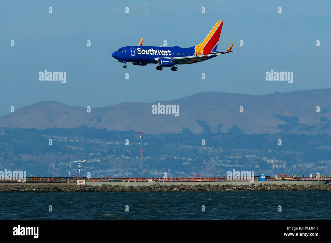 2c922011d5f0 Boeing 737-7H4 (N743SW) operated by Southwest Airlines landing at San  Francisco International