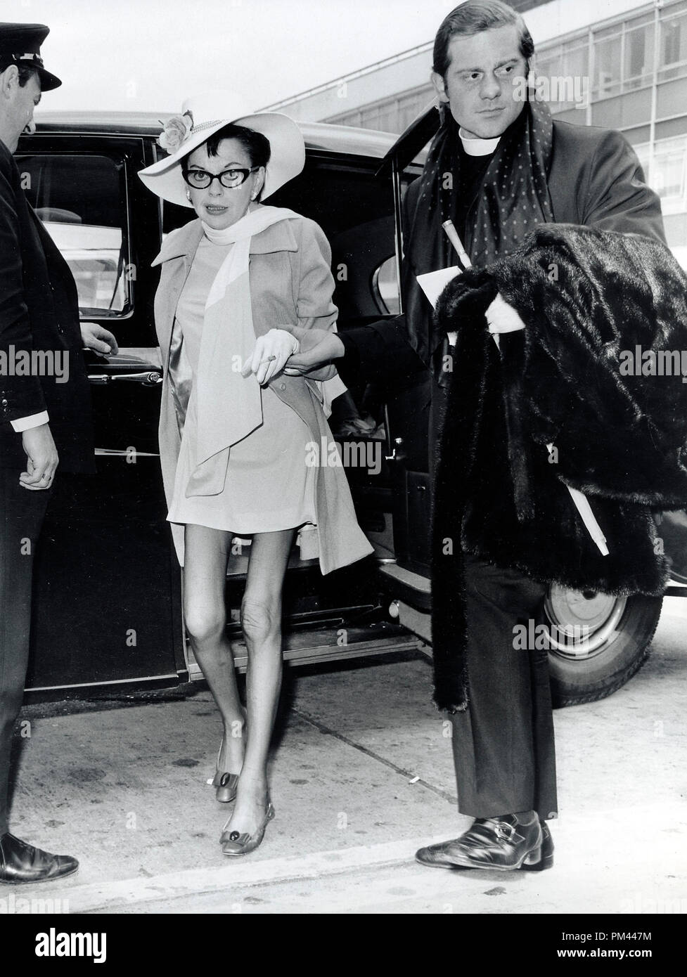 Judy Garland At Age 46 Arrives At London Airport With Husband Rev Mickey Deans May 22 1969 File Reference 1017 002tha C Jrc The Hollywood Archive All Rights Reserved Stock Photo Alamy