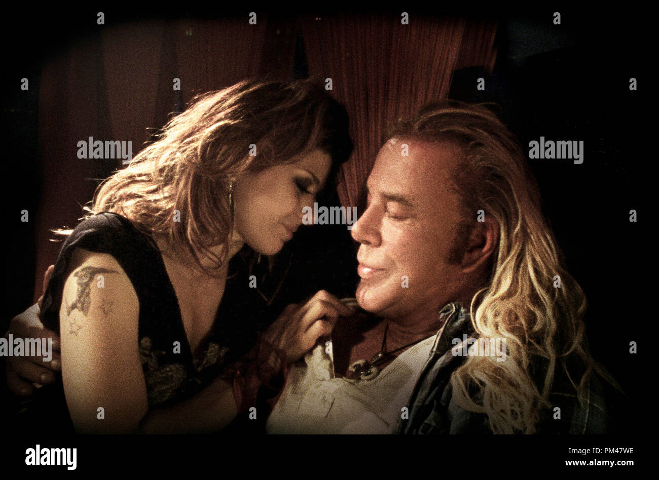 From Left: Marisa Tomei and Mickey Rourke in  'The Wrestler' 2008 - Stock Image