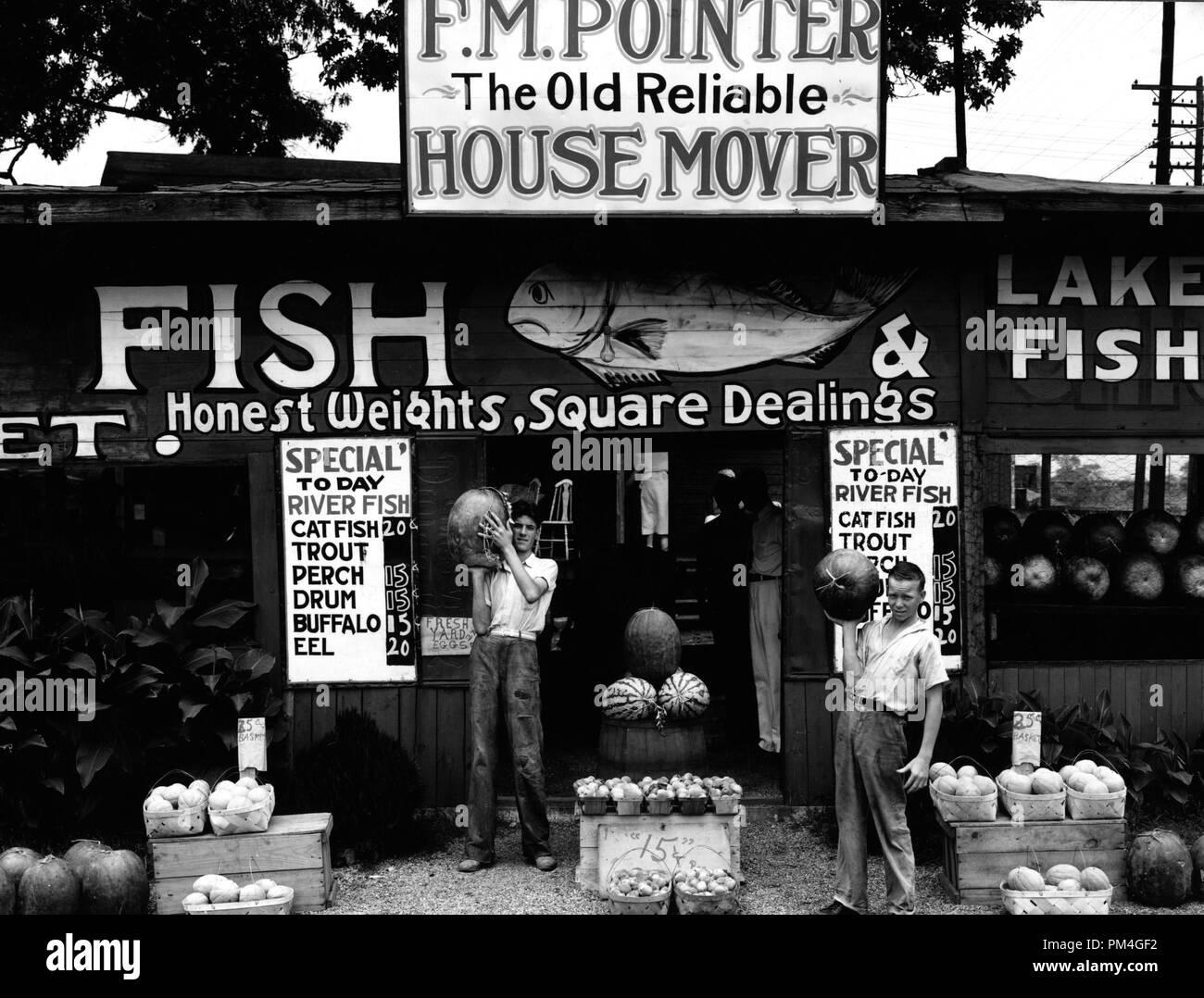 Roadside fish stand near Birmingham e1f8700626c