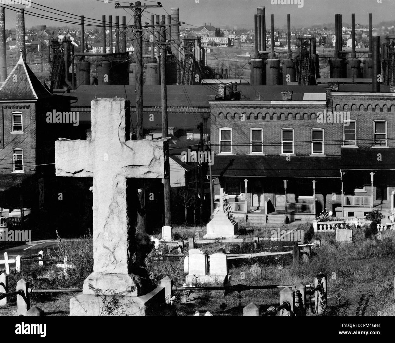 Bethlehem graveyard and steel mill. Pennsylvania 8f7102bc98e