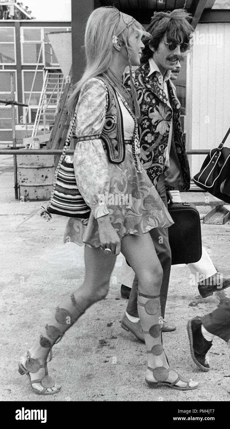 Beatle George Harrison and wife Pattie Boyd, August1967. File Reference #1013_037 THA © JRC /The Hollywood Archive - All Rights Reserved. - Stock Image