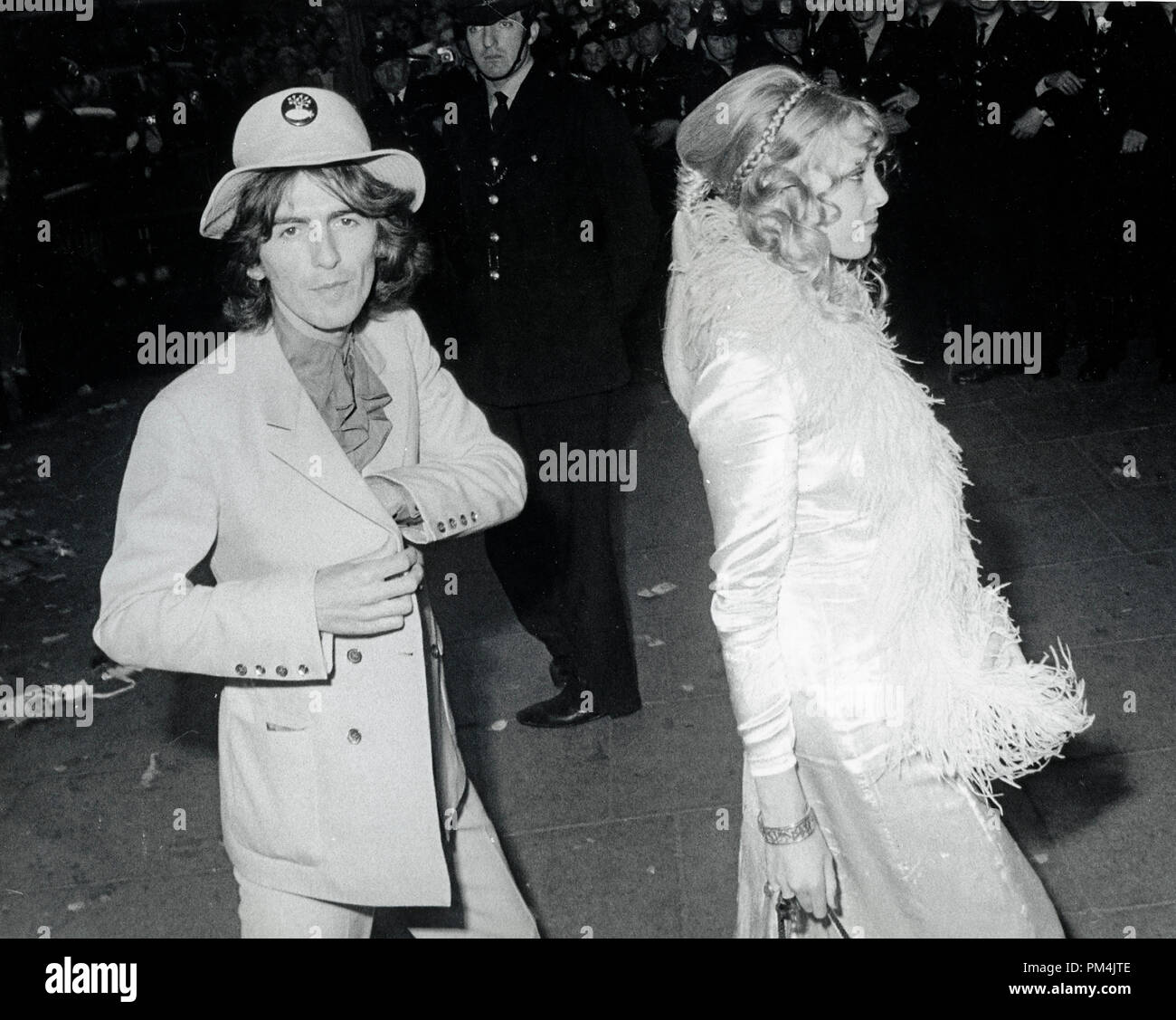 Beatle George Harrison and wife Pattie Boyd, July18,1968. File Reference #1013_042 THA © JRC /The Hollywood Archive - All Rights Reserved. - Stock Image