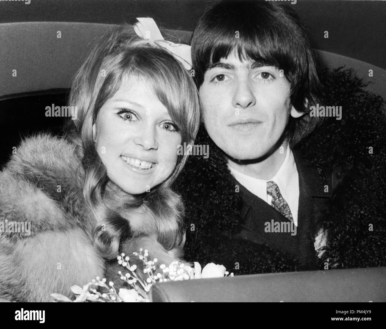 Beatle George Harrison and bride Pattie Boyd on their Wedding day,1966. File Reference #1013_100 THA © JRC /The Hollywood Archive - All Rights Reserved. - Stock Image