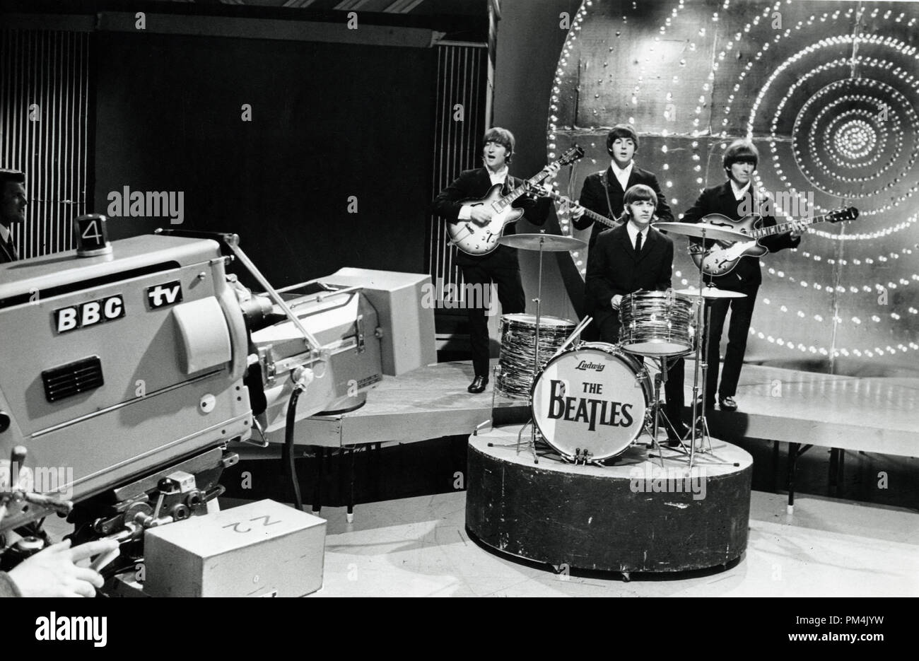 The Beatle's (John Lennon, Paul McCartney, George Harrison and Ringo Starr)live appearance on BBC Television's ' Top of the Pops'1966. File Reference #1013_112 THA © JRC /The Hollywood Archive - All Rights Reserved. - Stock Image