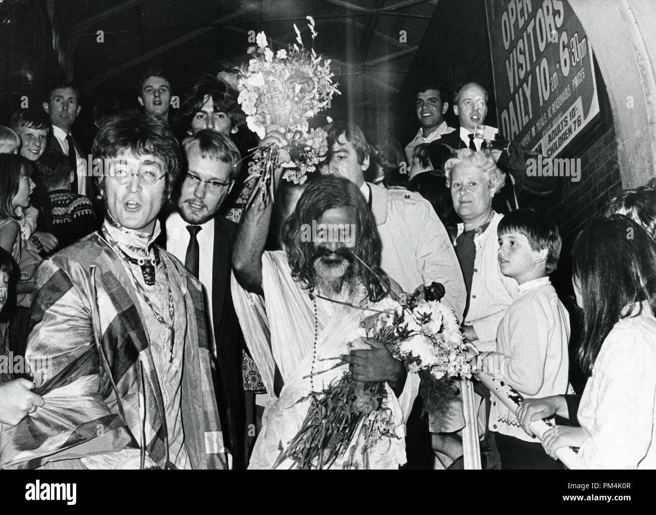 Maharishi Mahesh Yogi Beatles High Resolution Stock Photography And Images Alamy