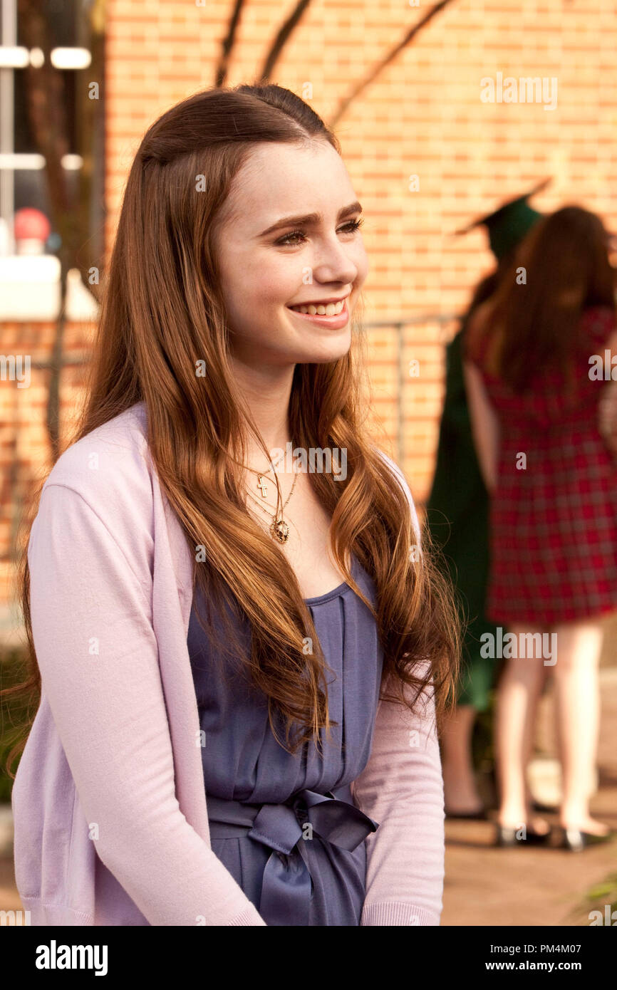 """LILY COLLINS as Collins in Alcon Entertainment's drama """"The Blind Side,"""" a Warner Bros. Pictures release. - Stock Image"""