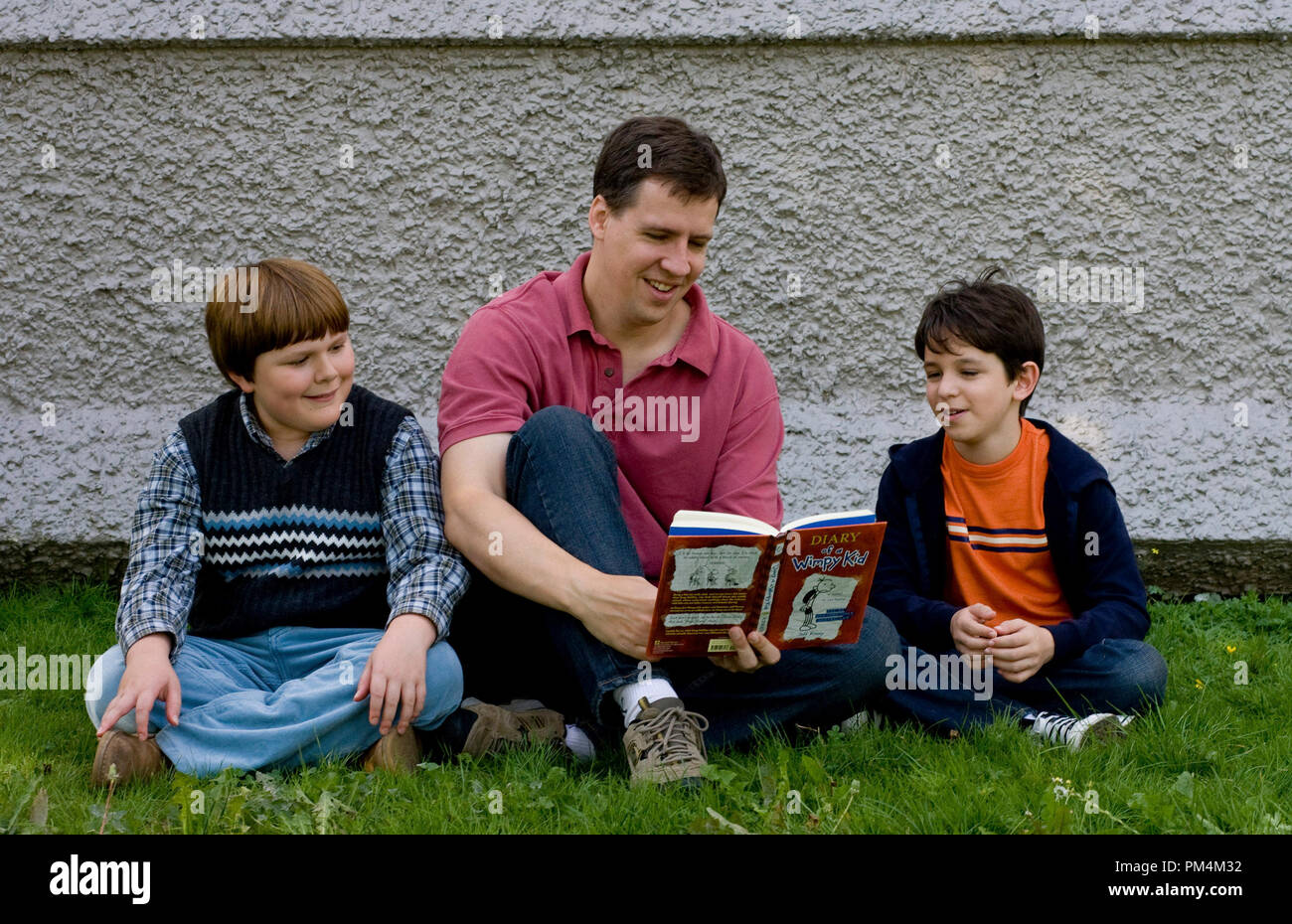Diary Of A Wimpy Kid Author Jeff Kinney Who Is The Film S Executive Producer And Actors
