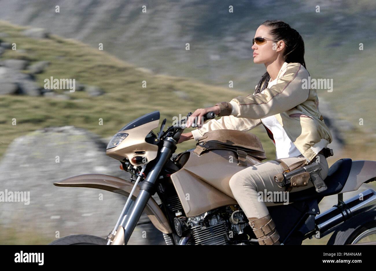 'Lara Croft Tomb Raider: The Cradle of Life' Angelina Jolie © 2003 Paramount - Stock Image
