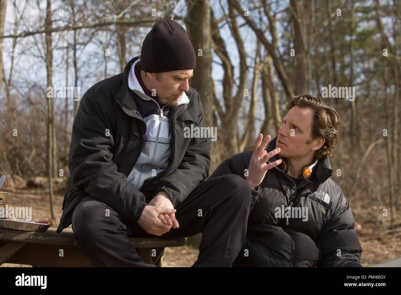 L-R: Sam Rockwell and Director Tony Goldwyn on the set; Photo by Ron Batzdorff 2010 - Stock Image