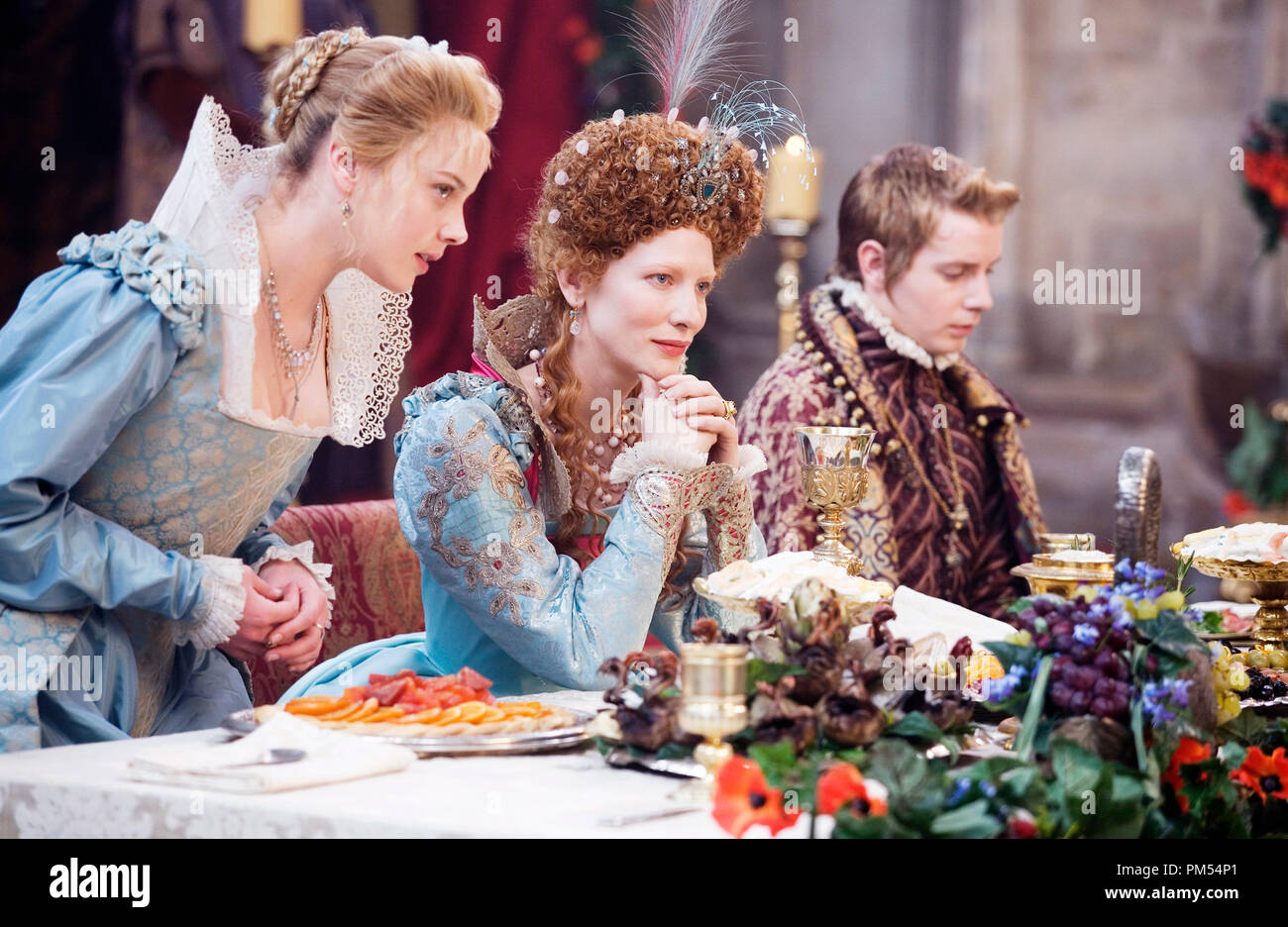 'Elizabeth: The Golden Age'  Cate Blanchett, Abbie Cornish, Christian Brassington  © 2007 Universal Pictures - Stock Image