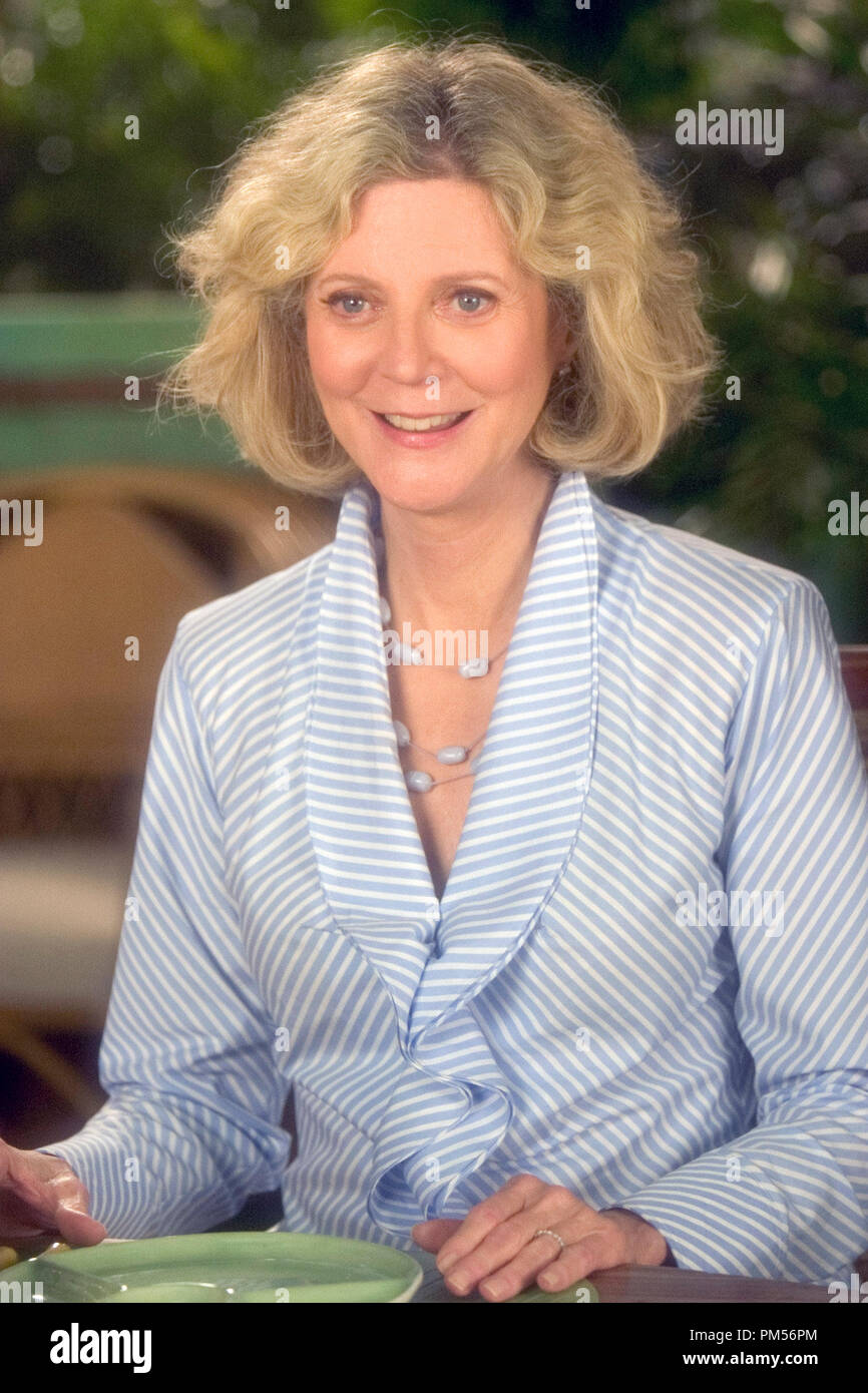 Film Still from 'Meet the Fockers' Blythe Danner © 2004 Universal Pictures Photo Credit: Tracy Bennett File Reference # 307351308THA  For Editorial Use Only -  All Rights Reserved - Stock Image