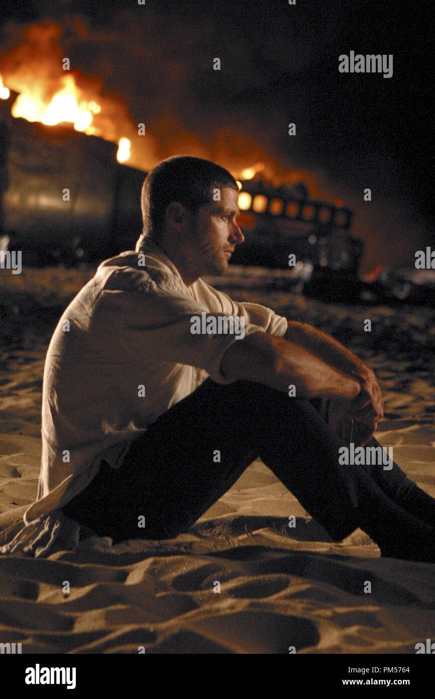 Studio Publicity Still from 'Lost' Matthew Fox 2004   File Reference # 307351550THA  For Editorial Use Only -  All Rights Reserved - Stock Image