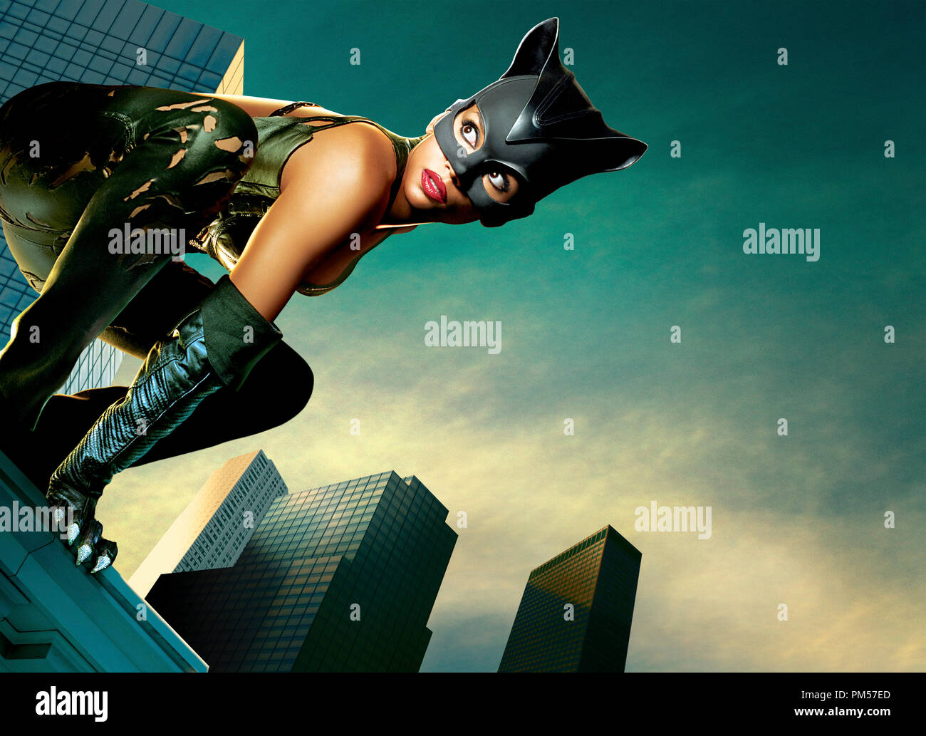 Studio Publicity Still from 'Catwoman' Halle Berry © 2004 Warner   File Reference # 307351748THA  For Editorial Use Only -  All Rights Reserved - Stock Image