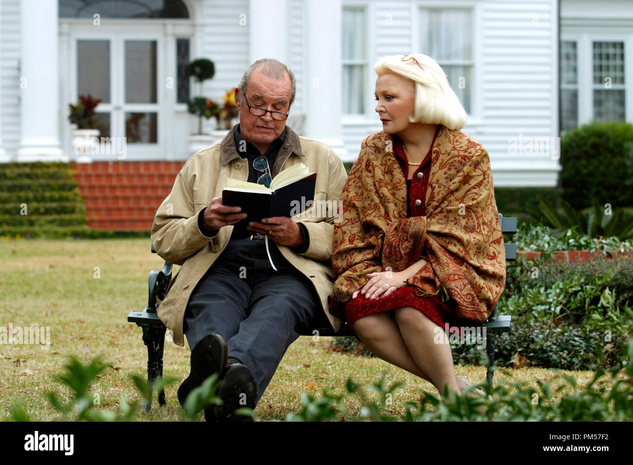 Studio Publicity Still from 'The Notebook' James Garner, Gena Rowlands Photo credit: Melissa Moseley © 2004 New Line Cinema File Reference # 307351761THA  For Editorial Use Only -  All Rights Reserved - Stock Image