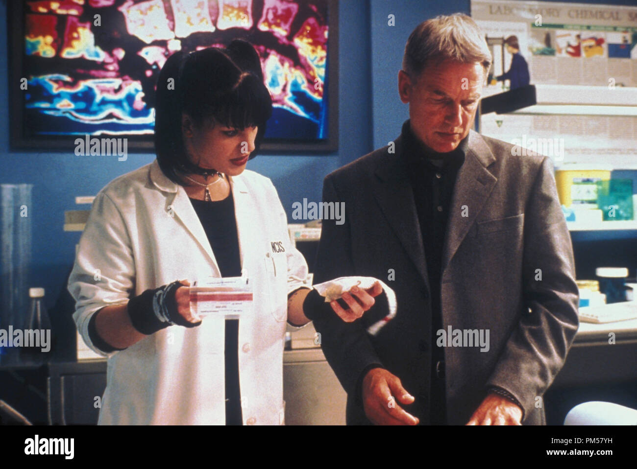 Film Still from 'Navy NCIS' Episode: 'My Other Left Foot' Pauley Perrette, Mark Harmon 2004  File Reference # 30735472THA  For Editorial Use Only -  All Rights Reserved - Stock Image