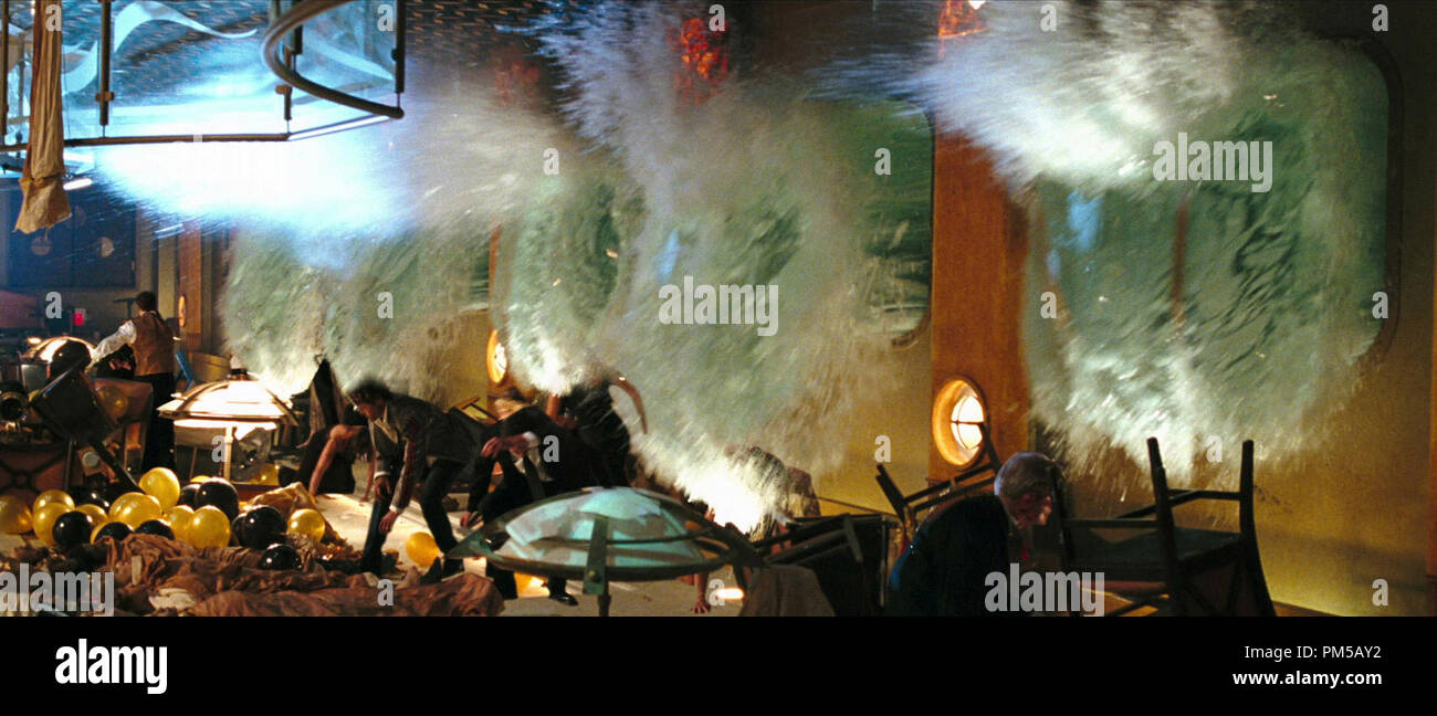 Studio Publicity Still from 'Poseidon' © 2006 Warner   File Reference # 307372090THA  For Editorial Use Only -  All Rights Reserved - Stock Image