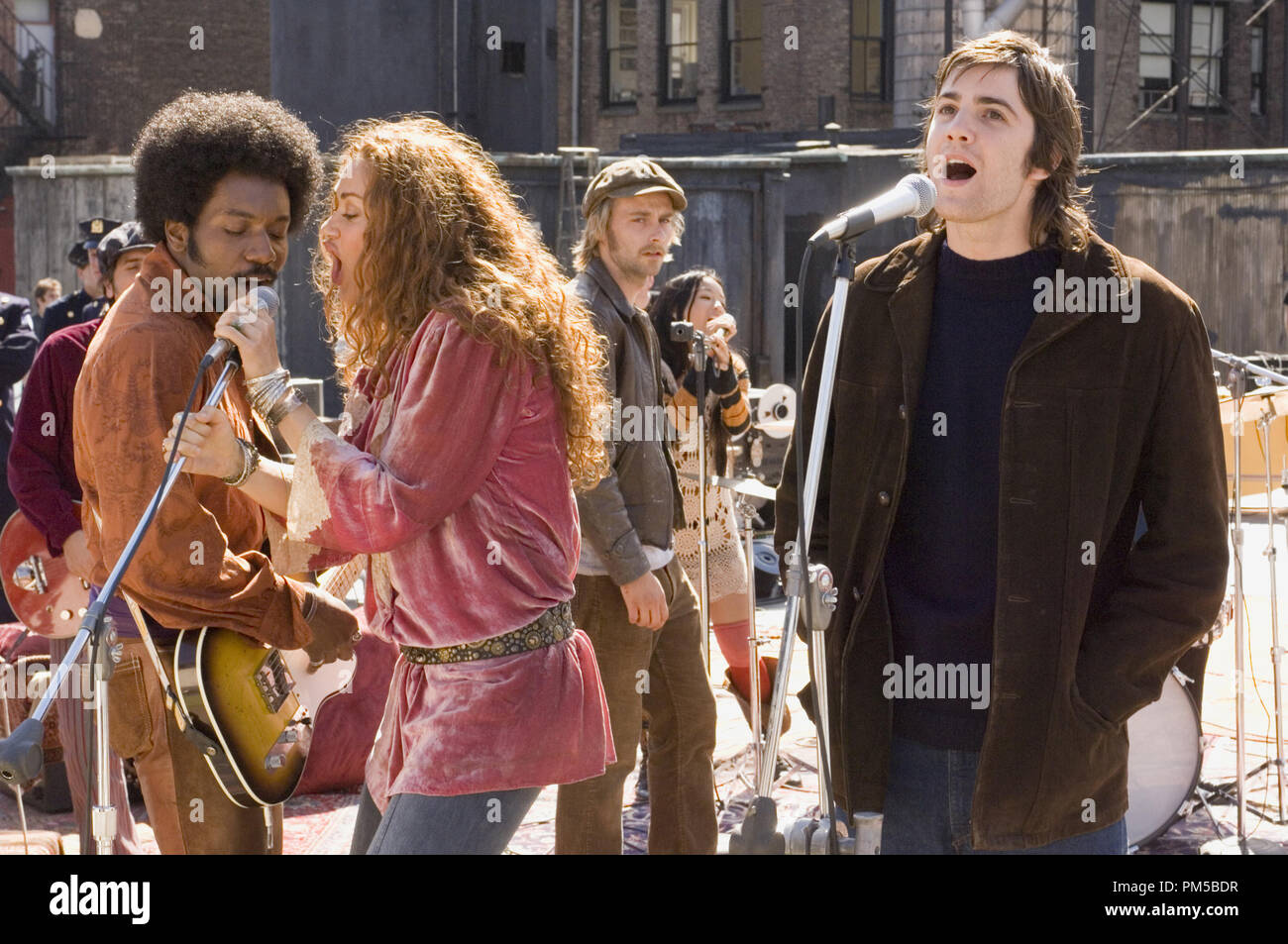 Film Still from 'Across the Universe' Martin Luther, Dana Fuchs, Joe Anderson, Jim Sturgess © 2007 Revolution Studios Photo Credit: Abbot Genser    File Reference # 30738593THA  For Editorial Use Only -  All Rights Reserved - Stock Image