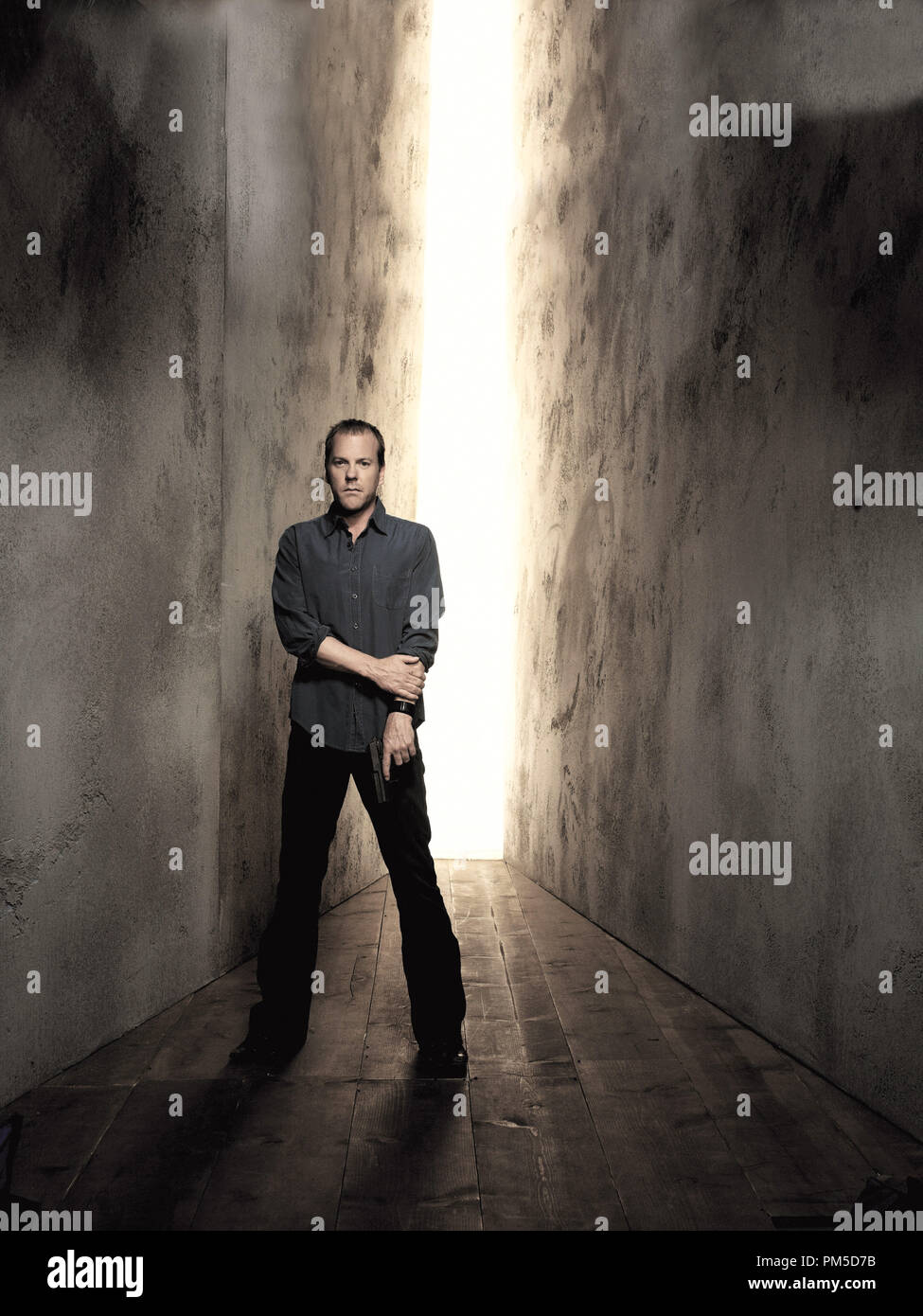 Studio Publicity Still from '24' Kiefer Sutherland 2005   File Reference # 307362366THA  For Editorial Use Only -  All Rights Reserved - Stock Image