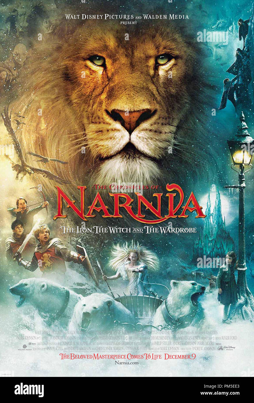 Poster Art from 'The Chronicles of Narnia: The Lion, the Witch and the Wardrobe' Poster © 2005 Walt Disney Pictures  File Reference # 30736933THA  For Editorial Use Only -  All Rights Reserved - Stock Image