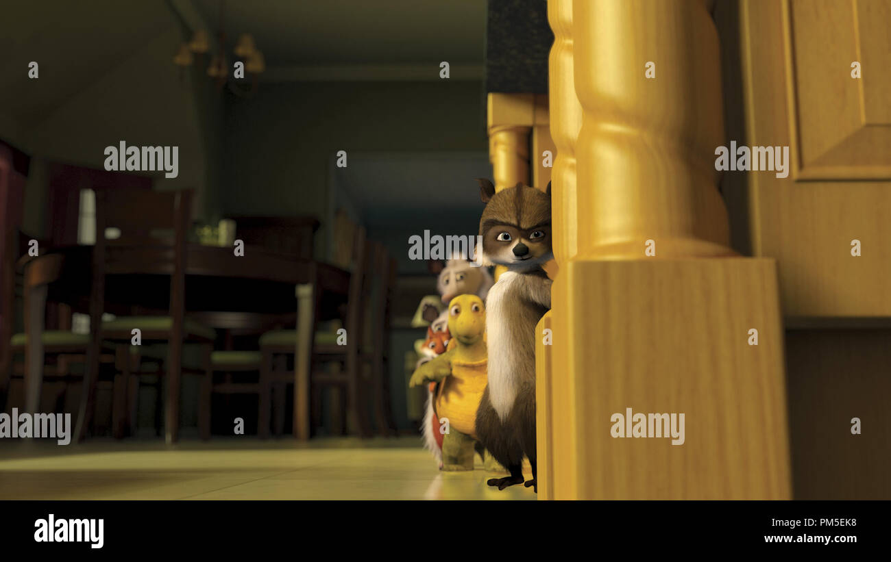 Film Still / Publicity Still from 'Over The Hedge' RJ, Verne, Hammy, Ozzie, Heather © 2006 Dreamworks  File Reference # 30737043THA  For Editorial Use Only -  All Rights Reserved - Stock Image
