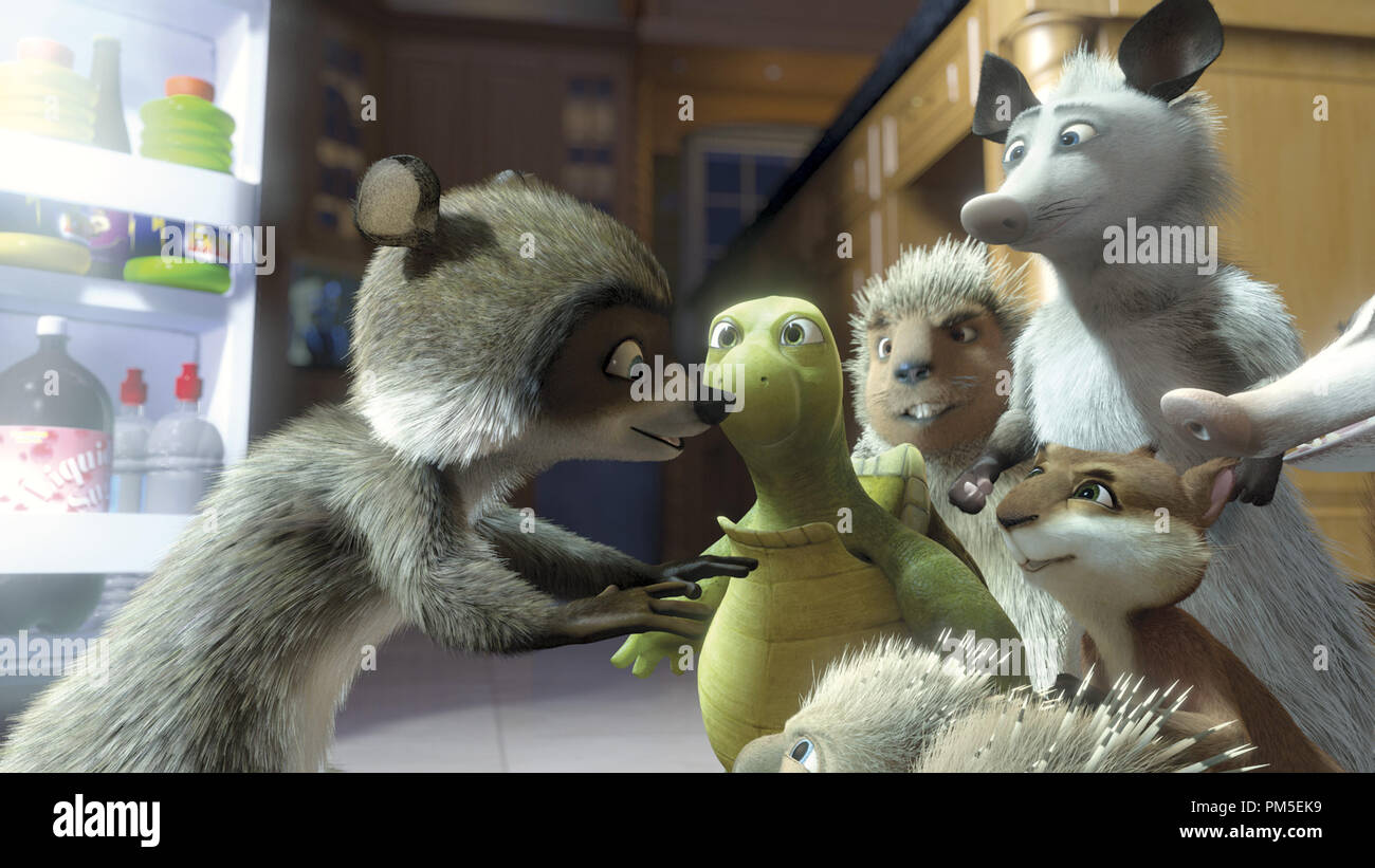 Film Still / Publicity Still from 'Over The Hedge' RJ, Verne, Hammy, Lou, Ozzie, Heather © 2006 Dreamworks  File Reference # 30737044THA  For Editorial Use Only -  All Rights Reserved - Stock Image