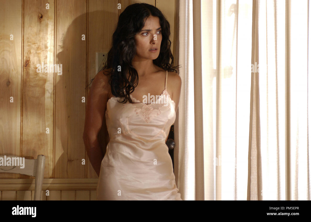 Film Still / Publicity Still from 'Ask the Dust' Salma Hayek © 2006 Paramount Pictures Photo Credit: David Bloomer  File Reference # 307371014THA  For Editorial Use Only -  All Rights Reserved - Stock Image