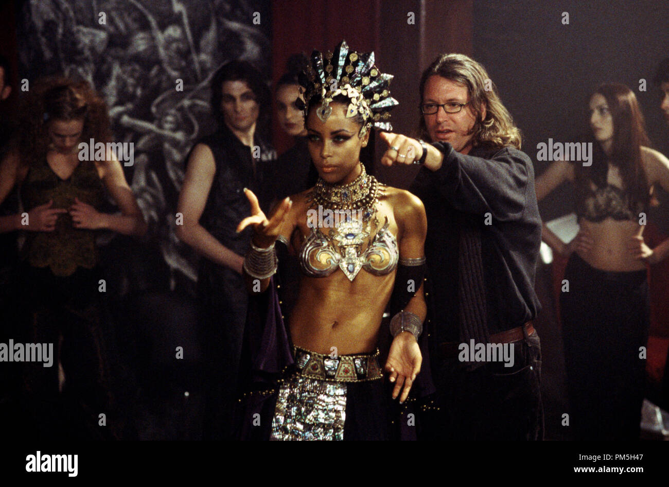 Studio Publicity Still from 'The Queen of the Damned' Aaliyah, Director Michael Rymer © 2002 Warner Brothers / Village Roadshow  File Reference # 307541267THA  For Editorial Use Only -  All Rights Reserved - Stock Image