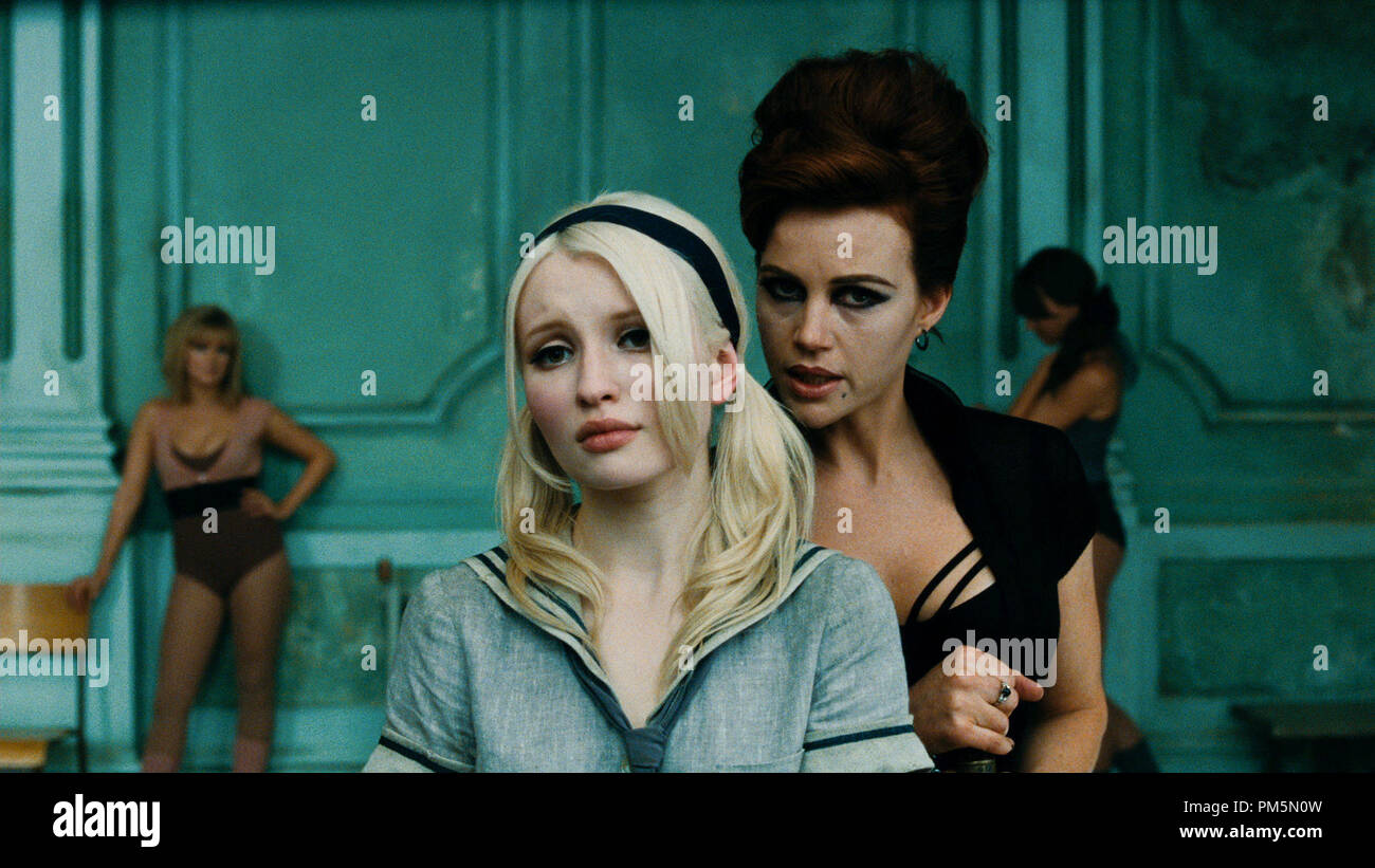 L R Emily Browning As Babydoll And Carla Gugino As Madam Gorski In