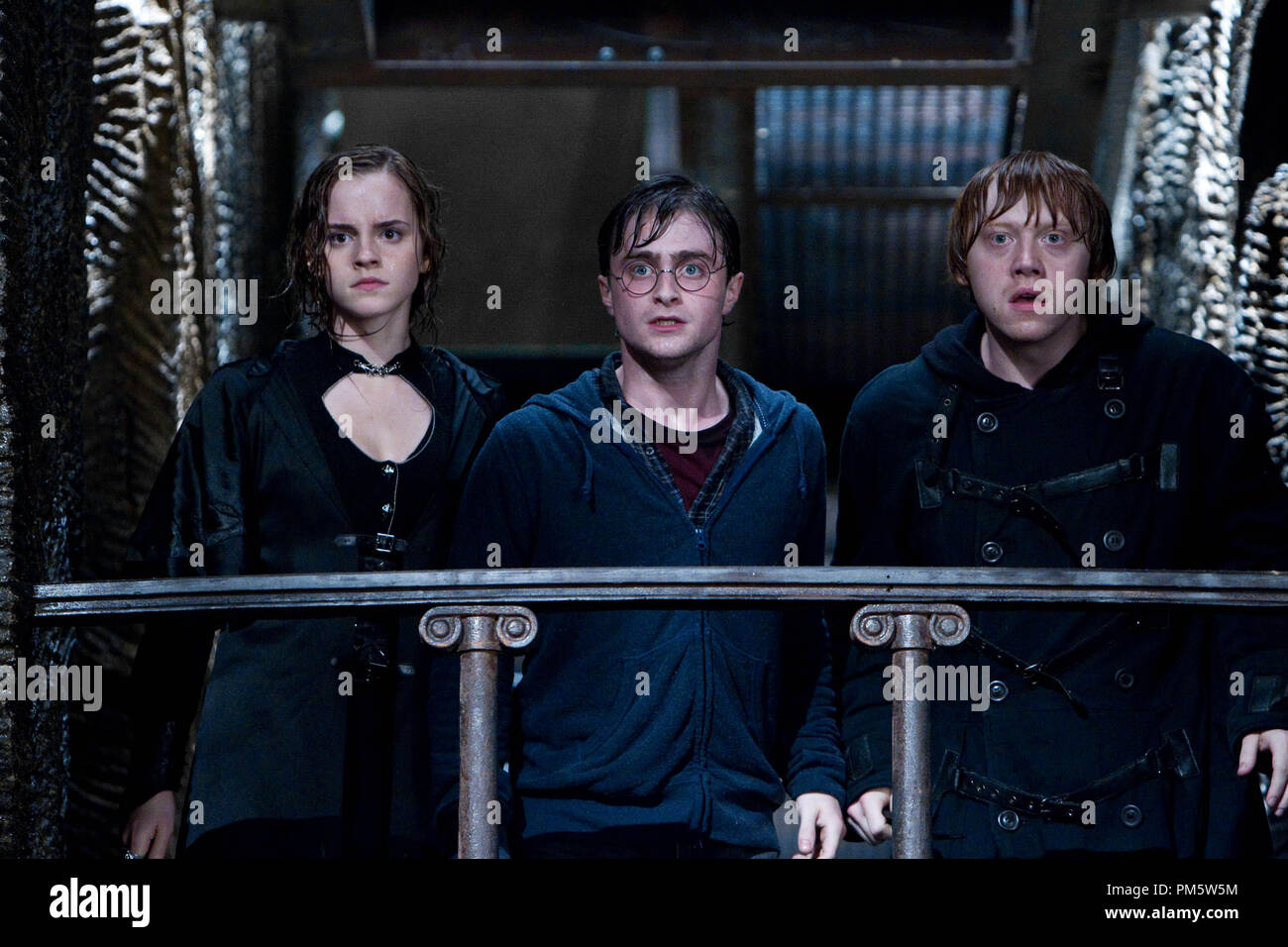 """(L-r) EMMA WATSON as Hermione Granger, DANIEL RADCLIFFE as Harry Potter and RUPERT GRINT as Ron Weasley in Warner Bros. Pictures' fantasy adventure """"HARRY POTTER AND THE DEATHLY HALLOWS – PART 2,"""" a Warner Bros. Pictures release. - Stock Image"""