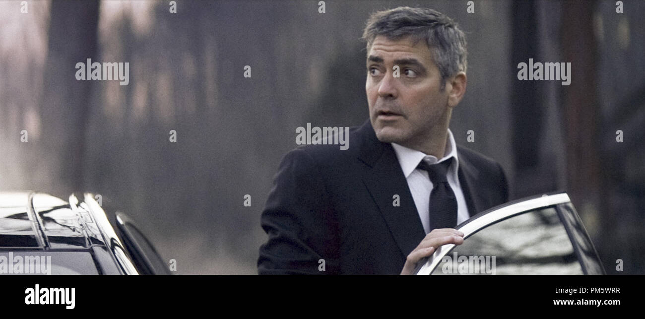 Studio Publicity Still from 'Michael Clayton' George Clooney © 2007 Warner    File Reference # 307381130THA  For Editorial Use Only -  All Rights Reserved - Stock Image