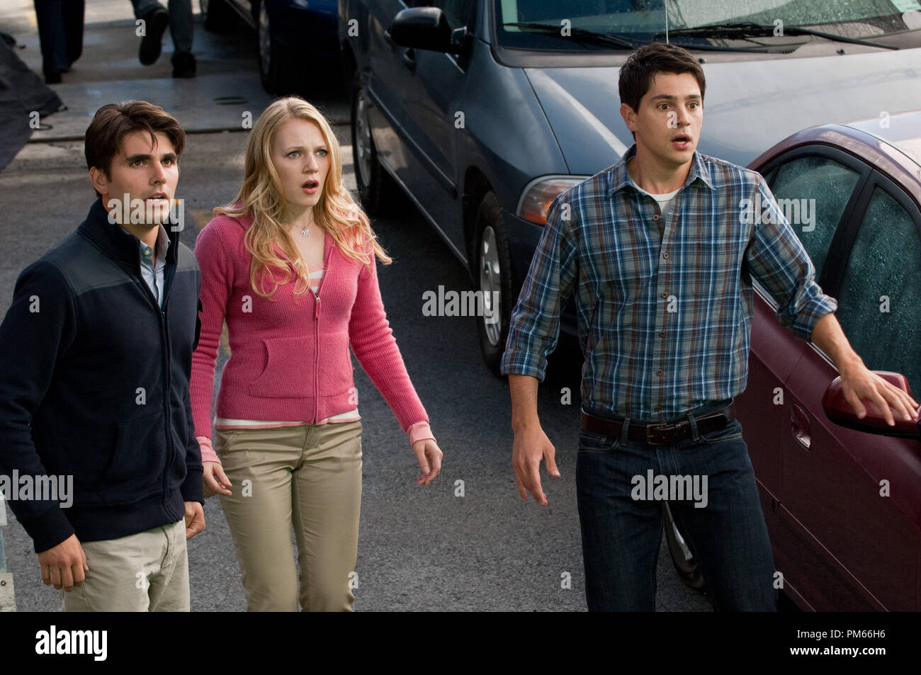 (L-r) MILES FISHER as Peter, EMMA BELL as Molly and NICHOLAS DÕAGOSTO as Sam in New Line CinemaÕs horror film ÒFINAL DESTINATION 5,Ó a Warner Bros. Pictures release. - Stock Image