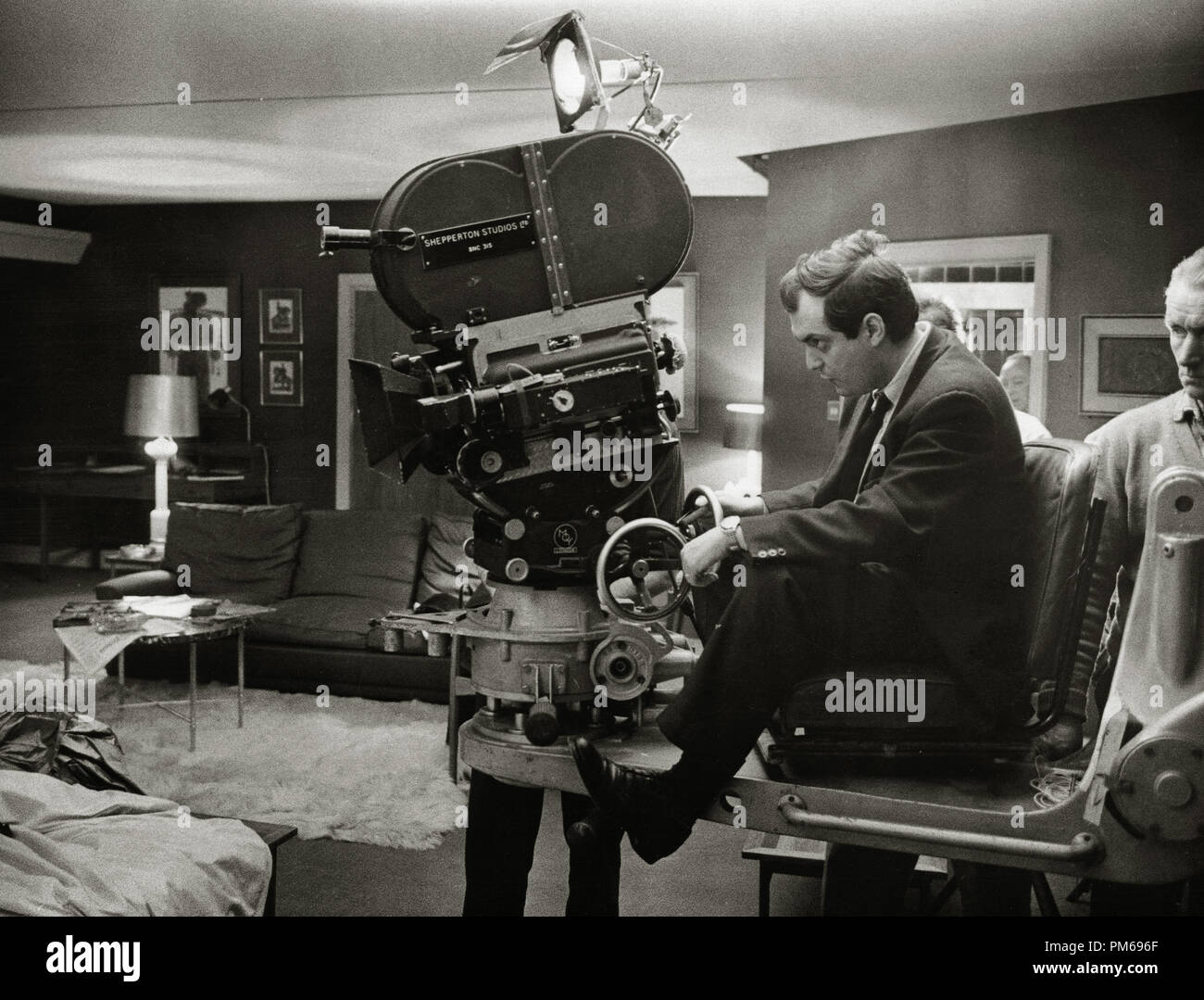 Director Stanley Kubrick, 'Dr. Strangelove or: How I Learned to Stop Worrying and Love the Bomb' 1964 Columbia  File Reference # 31316_173THA - Stock Image