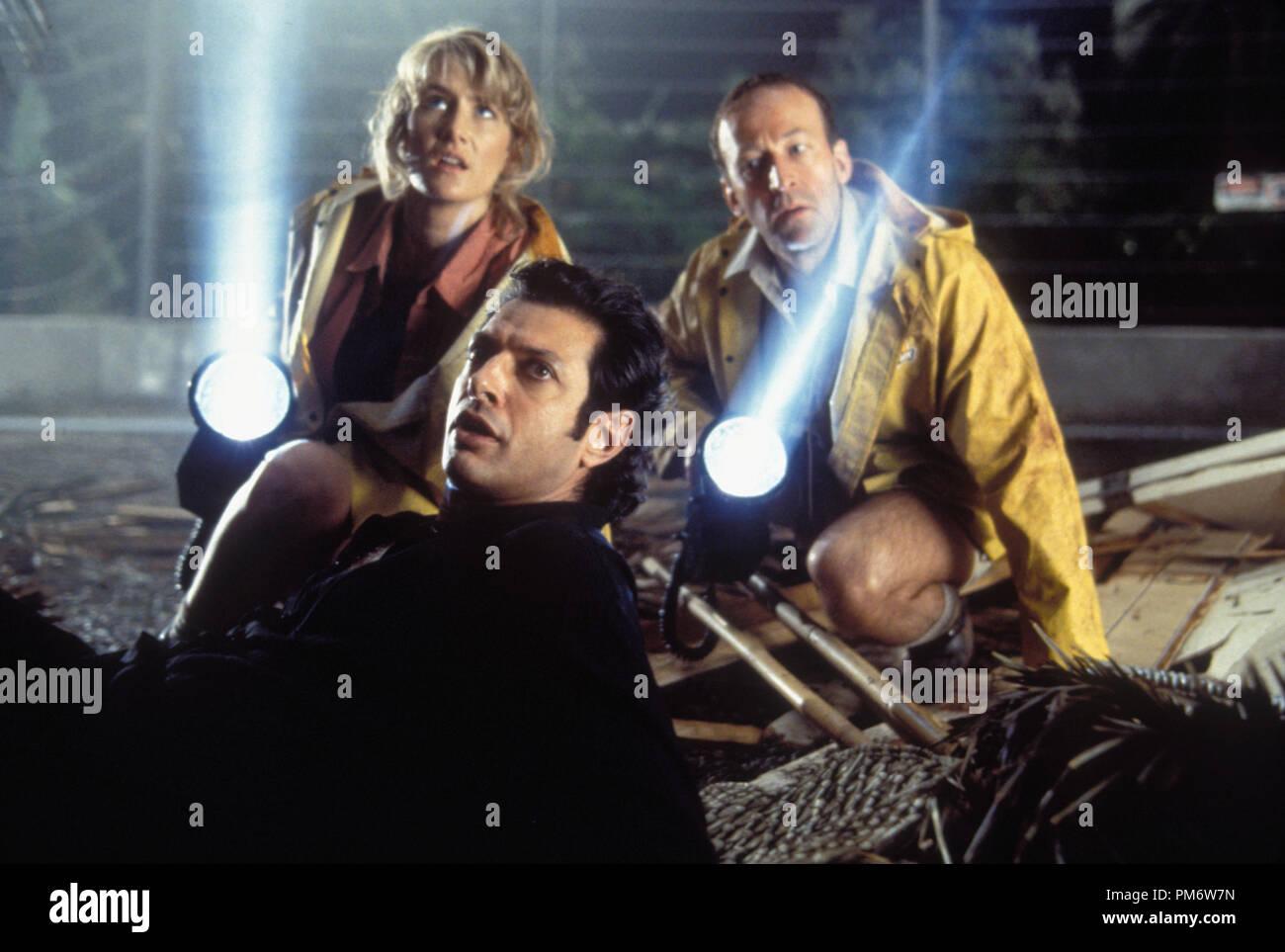 Film Still from 'Jurassic Park' Laura Dern, Jeff Goldblum, Bob Peck © 1993 Universal Photo Credit: Murray Close - Stock Image