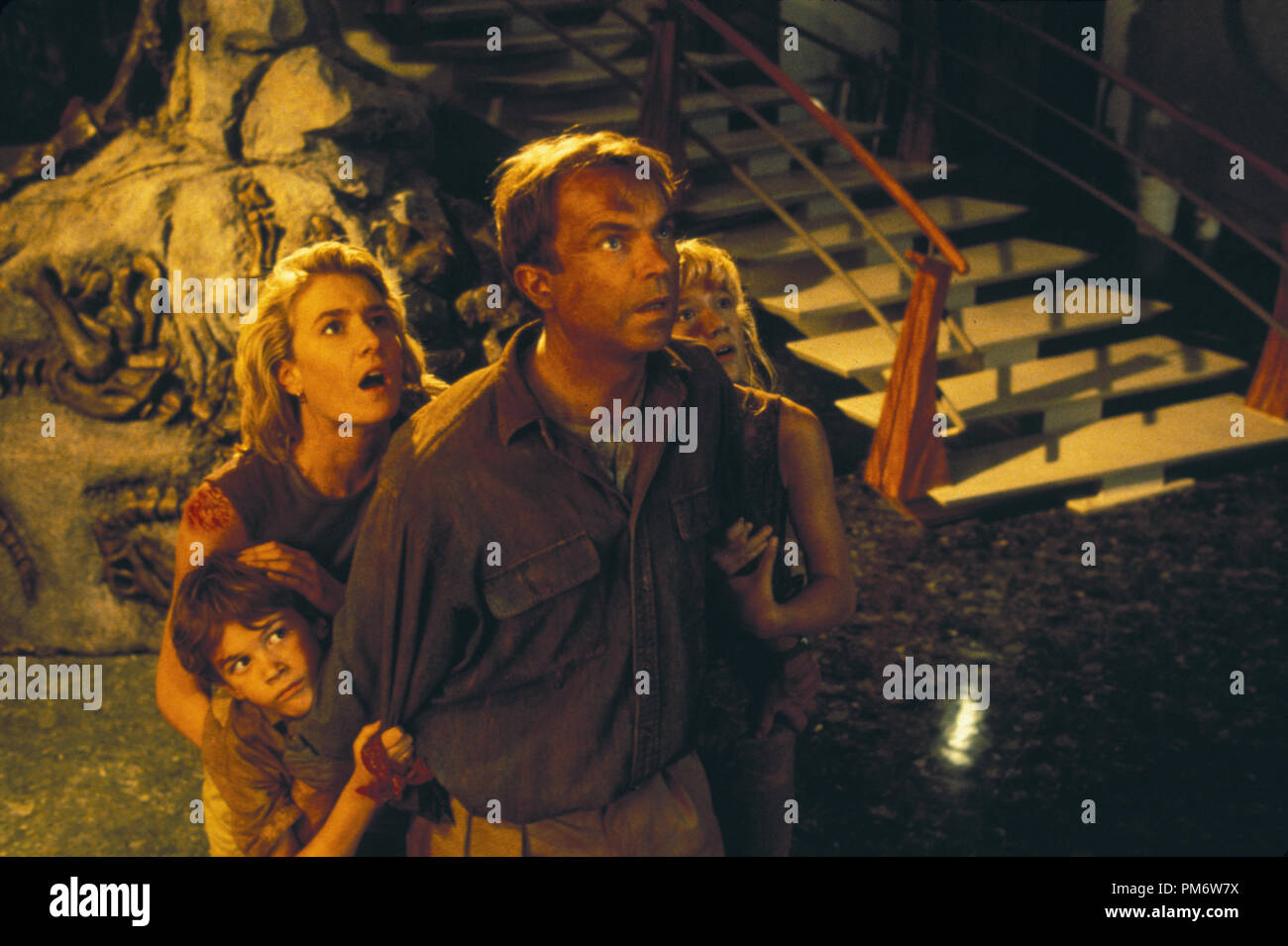 Film Still from 'Jurassic Park' Joseph Mazzello, Laura Dern, Sam Neill, Ariana Richards © 1993 Universal Photo Credit: Murray Close - Stock Image
