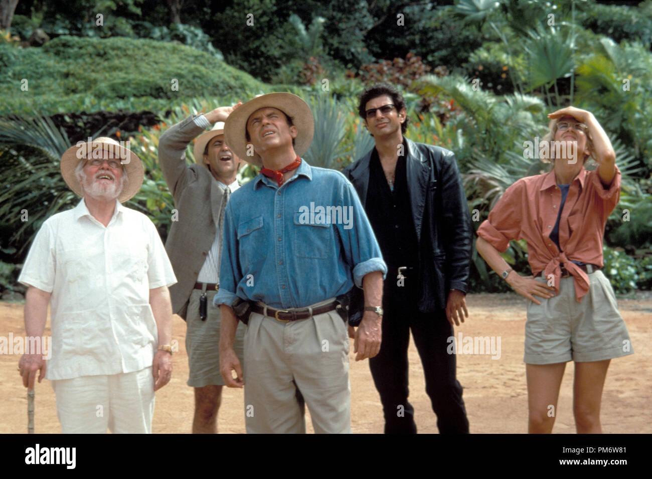 Film Still from 'Jurassic Park' Richard Attenborough, Martin Ferrero, Sam Neill, Jeff Goldblum, Laura Dern © 1993 Universal Photo Credit: Murray Close - Stock Image